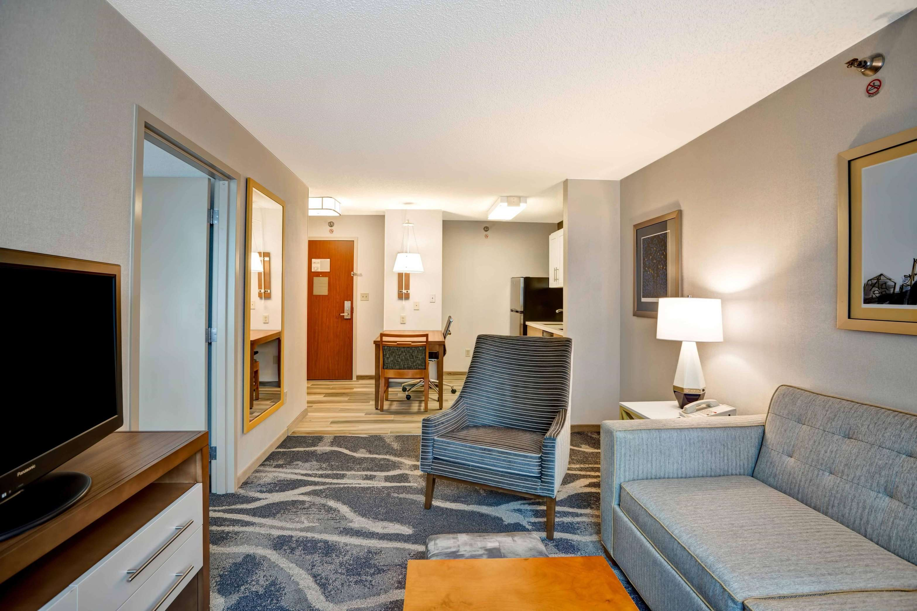 Homewood Suites by Hilton Chicago-Downtown image 47