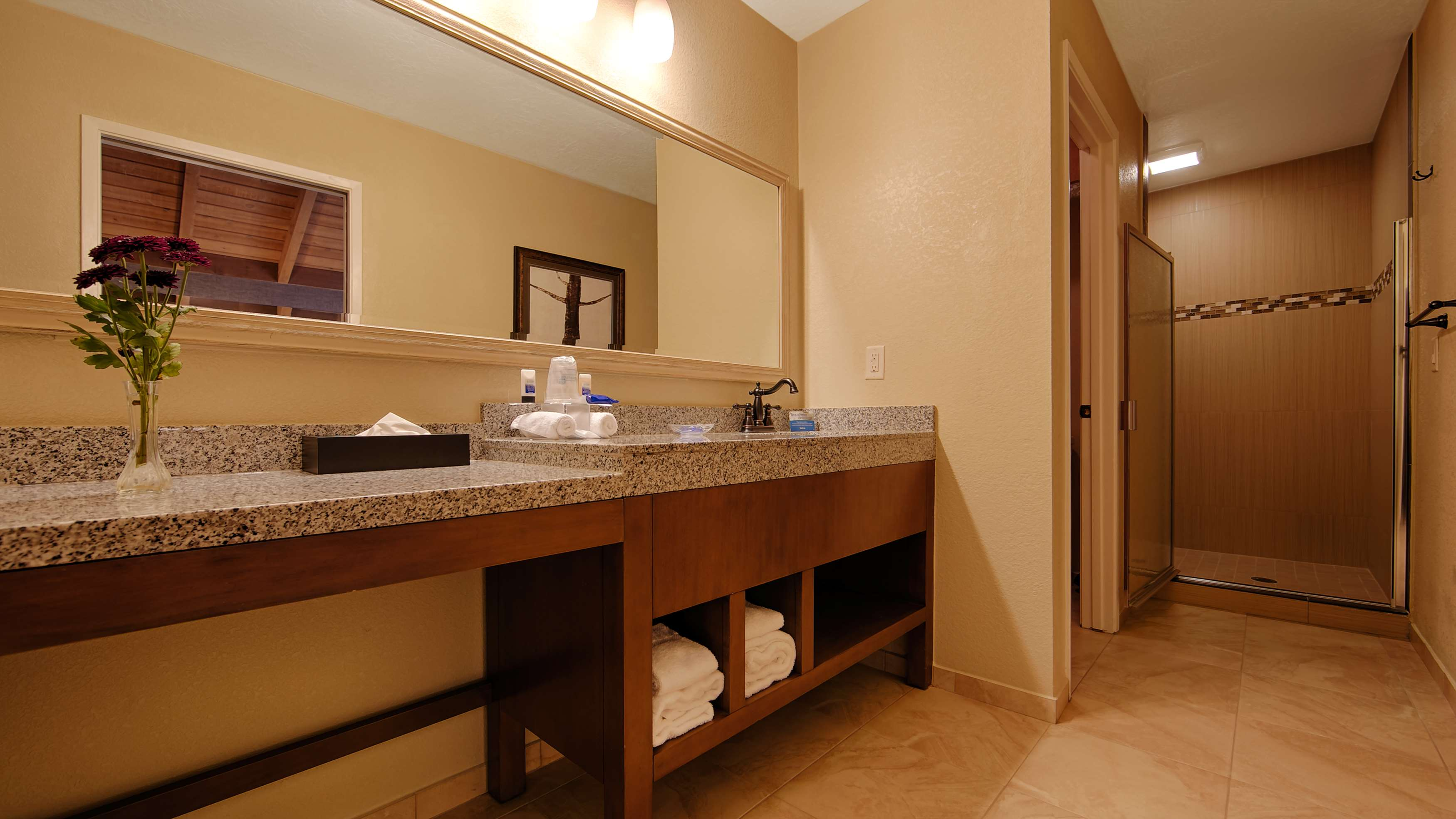 Best Western The Inn & Suites Pacific Grove image 33