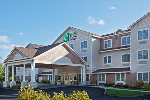 Holiday Inn Express & Suites Tilton - Lakes Region image 3