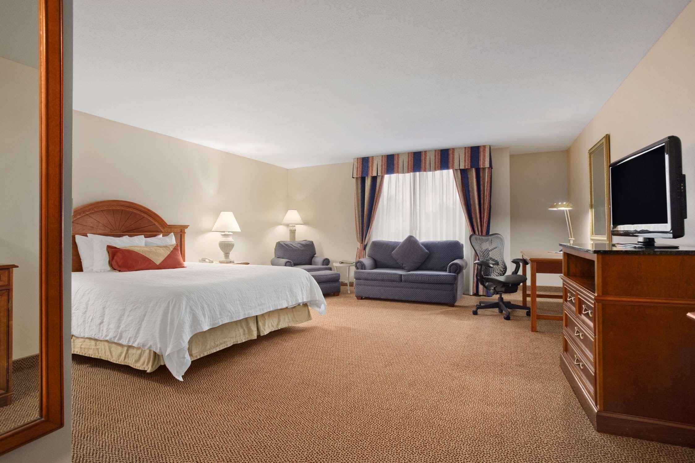 Hilton Garden Inn Syracuse image 13