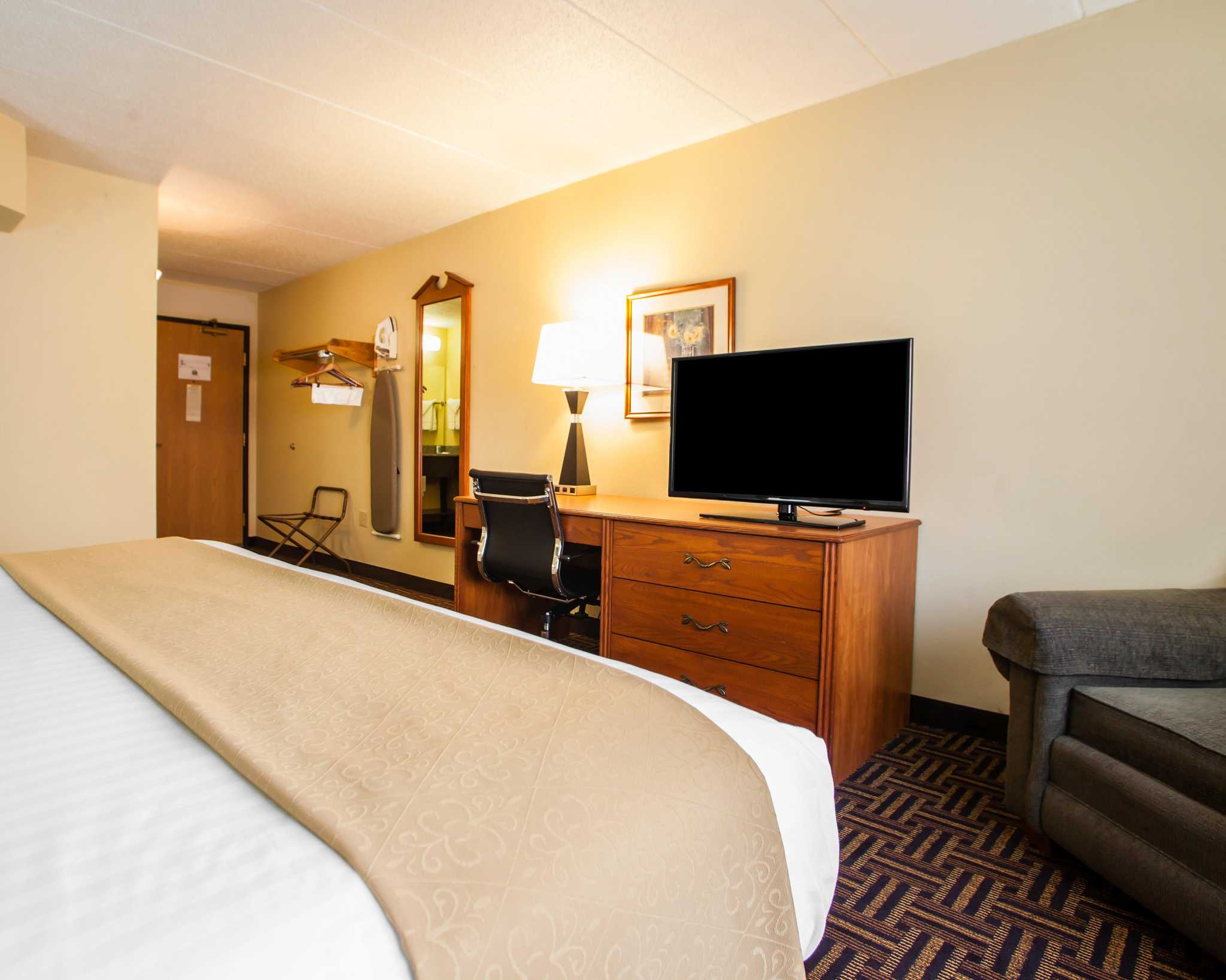 Quality Inn image 18