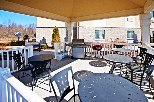 Candlewood Suites Elkhart image 2
