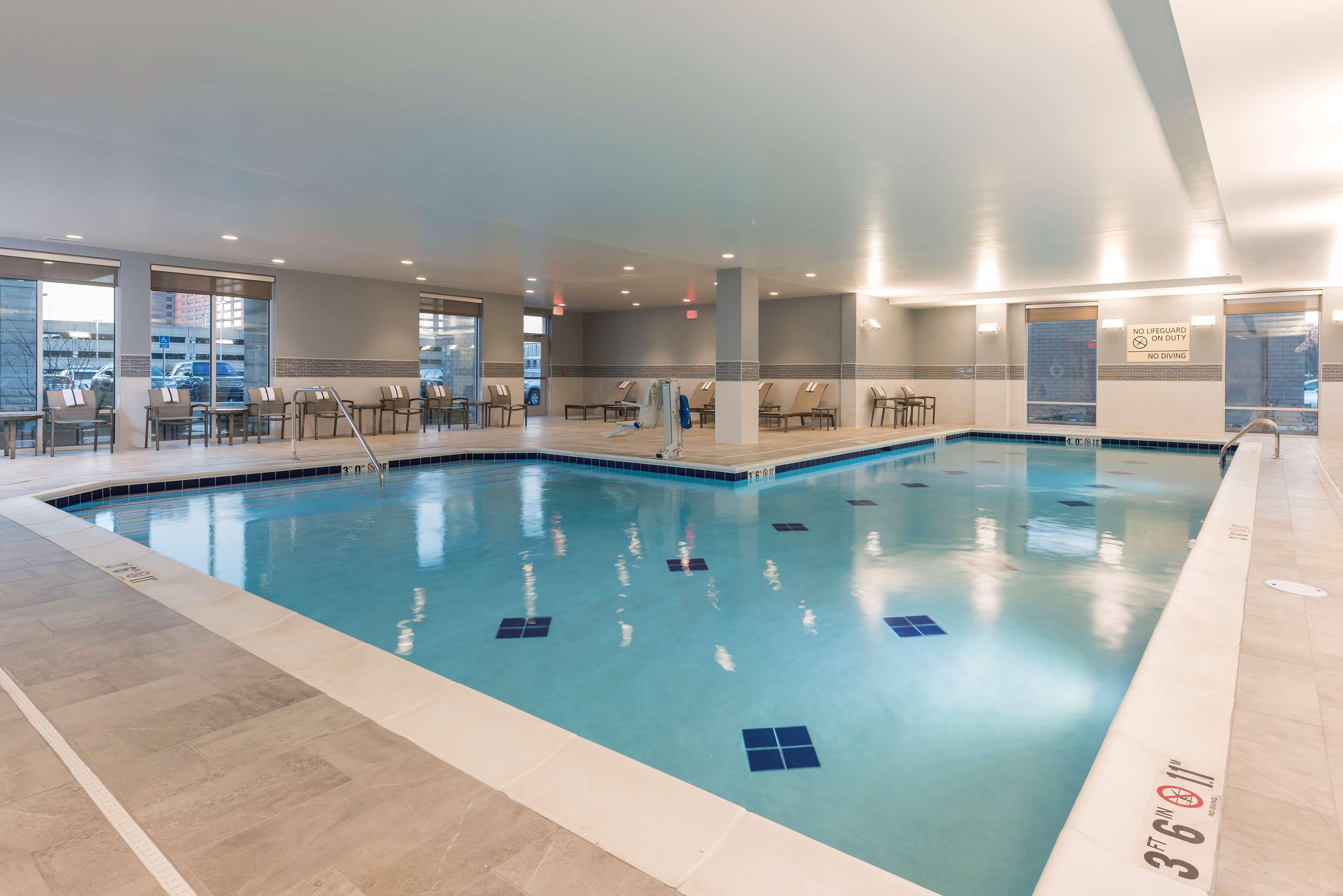 Hampton Inn & Suites Indianapolis-Keystone image 7
