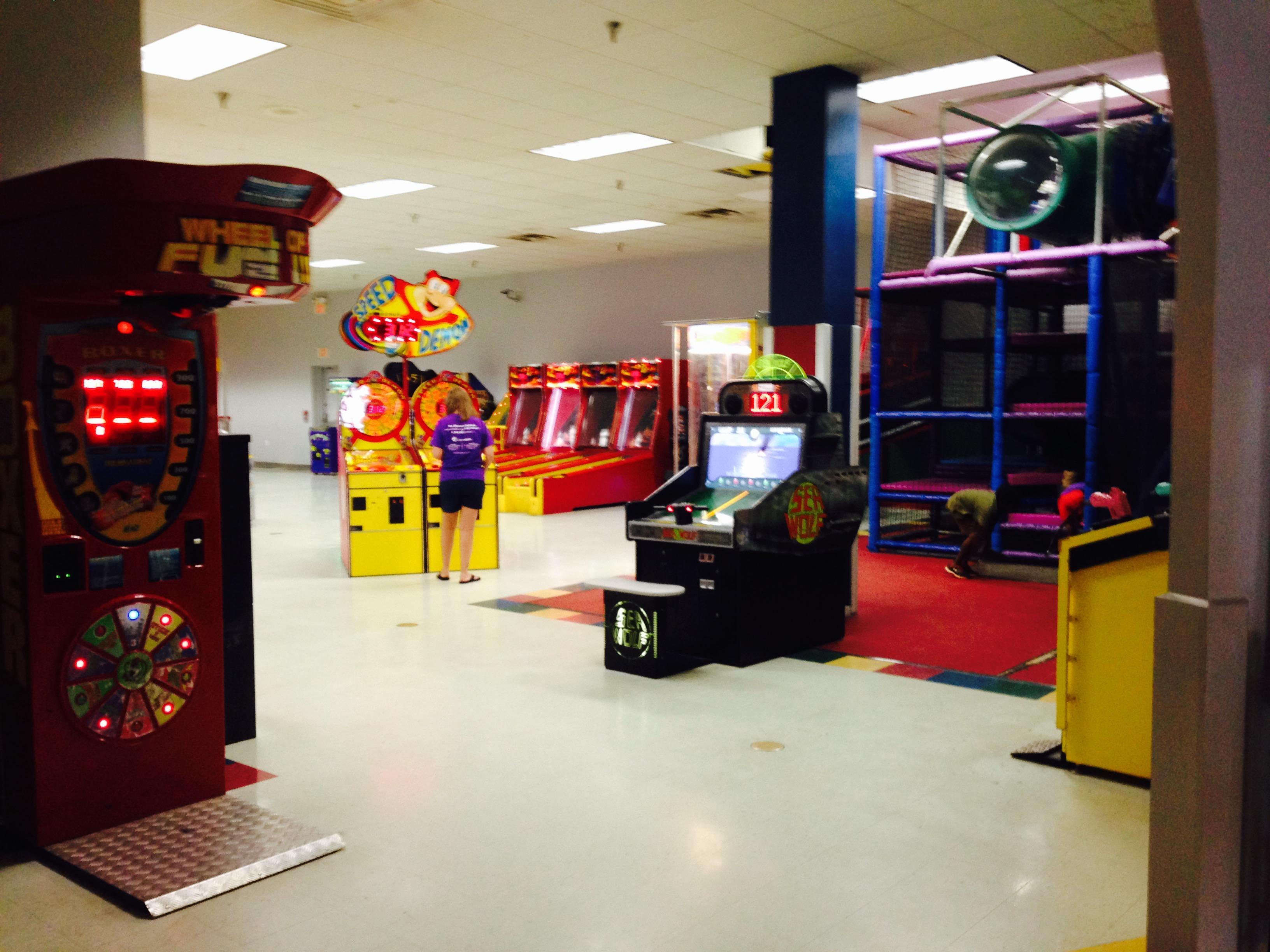 Rainbow Lanes Family Fun Center image 2