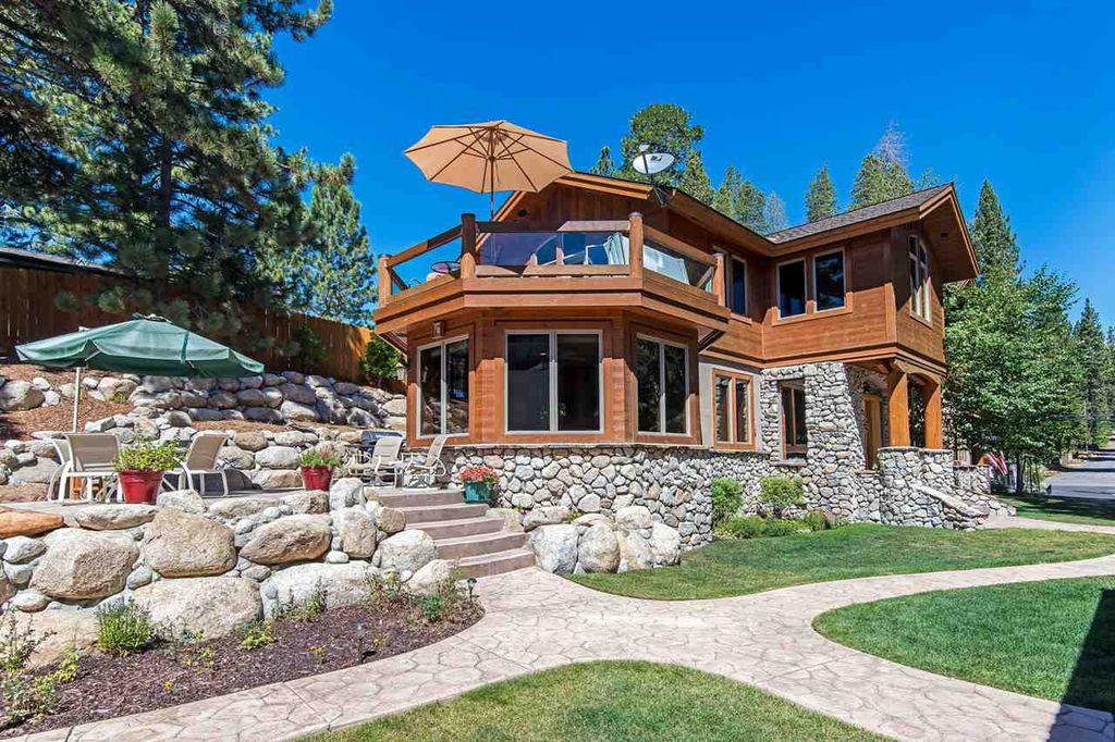 Bill & Nora Leeder | Oliver Luxury Real Estate image 5