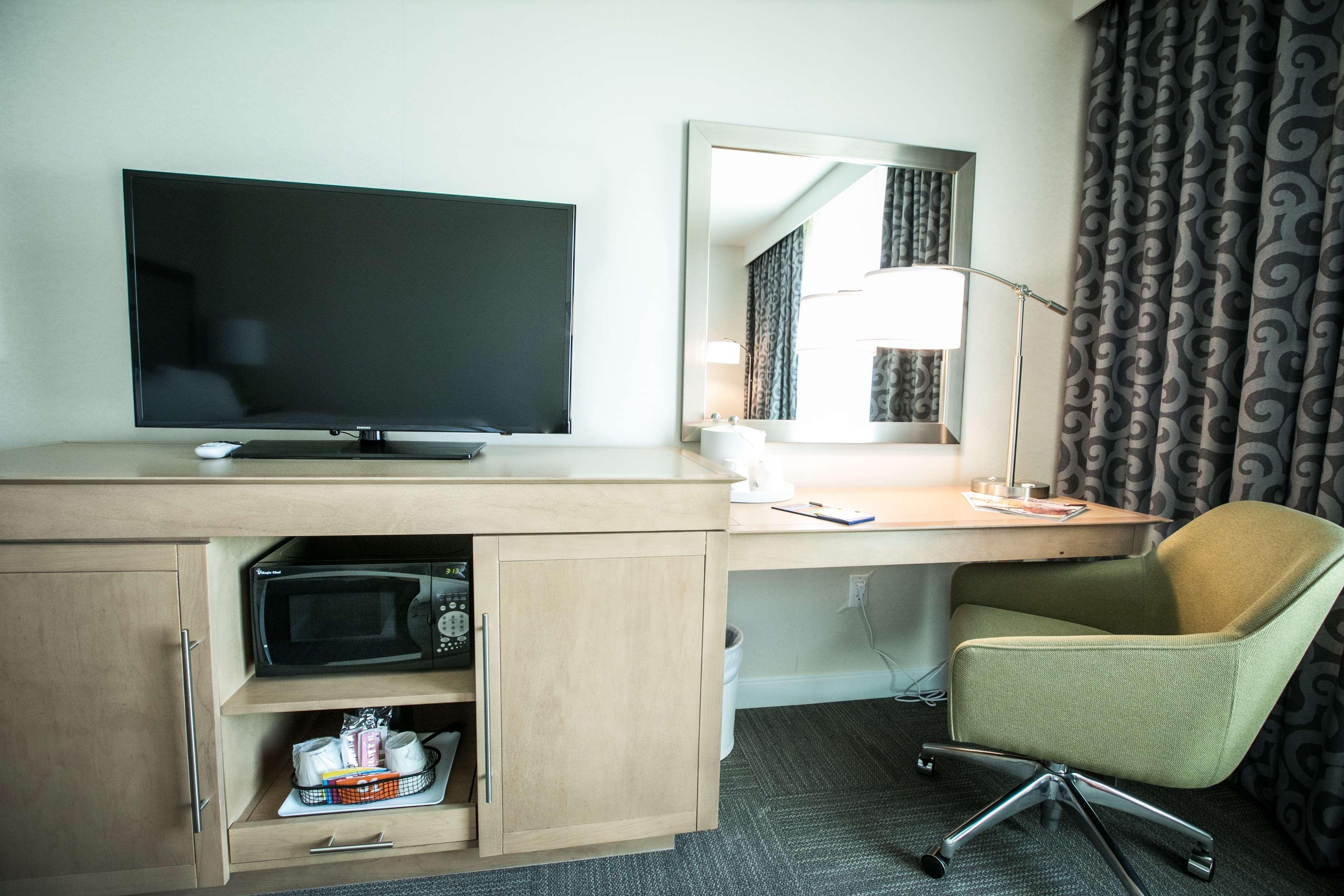 Hampton Inn & Suites Tempe - Phoenix Airport image 21