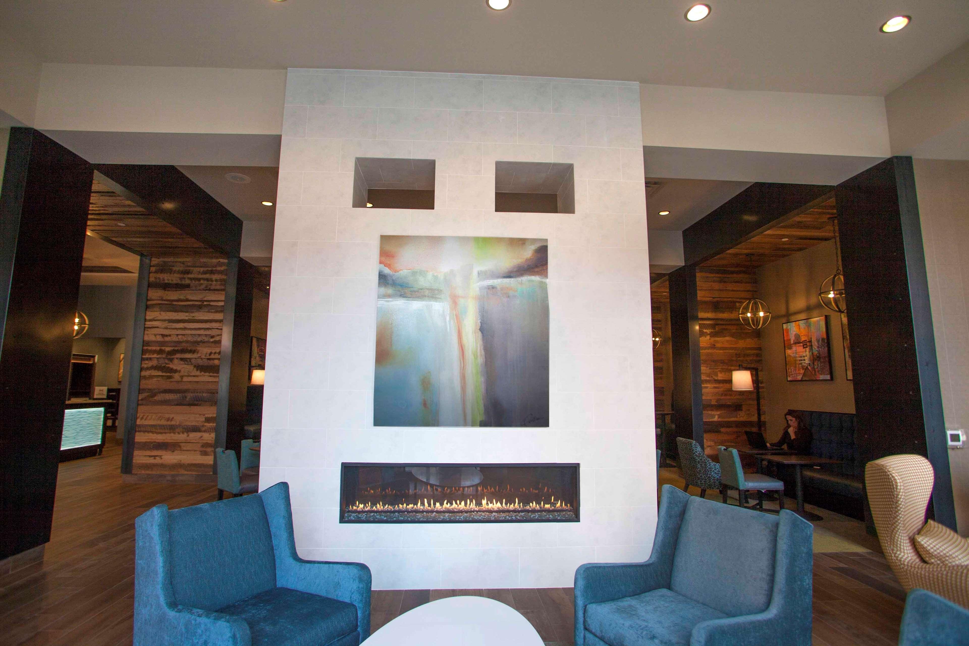 Hampton Inn & Suites Downtown St. Paul image 4