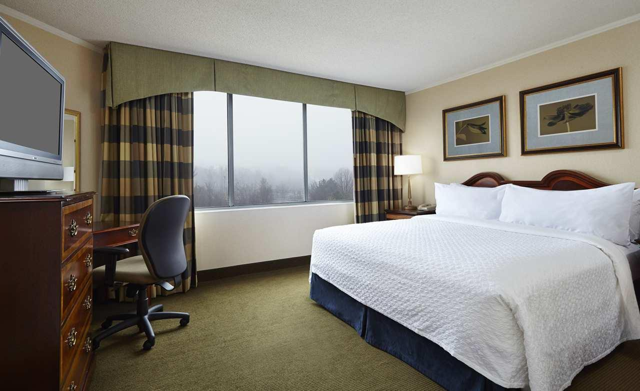 Embassy Suites by Hilton Baltimore at BWI Airport image 7