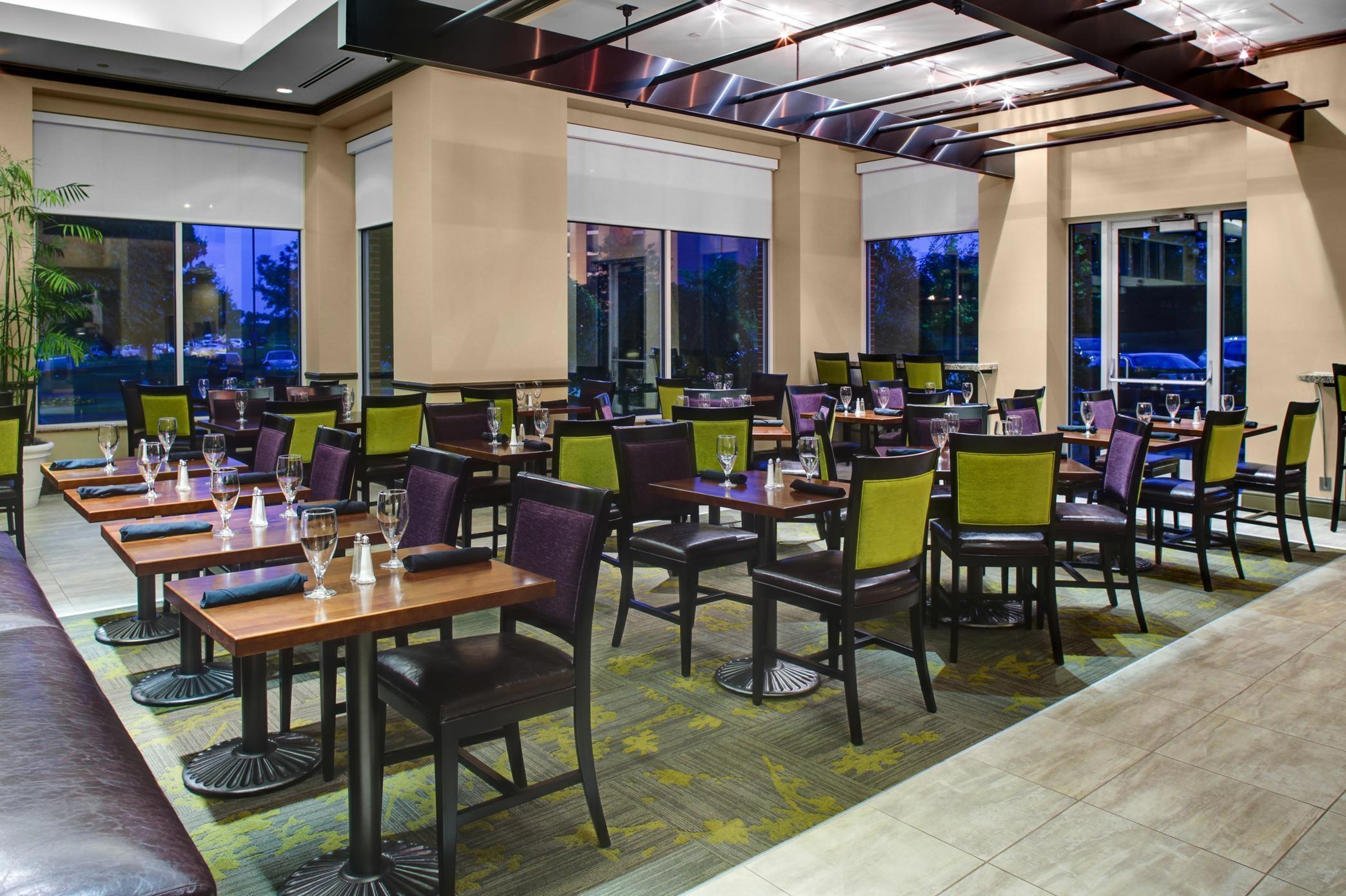 Hilton Garden Inn Hartford North Bradley Int l Airport 555