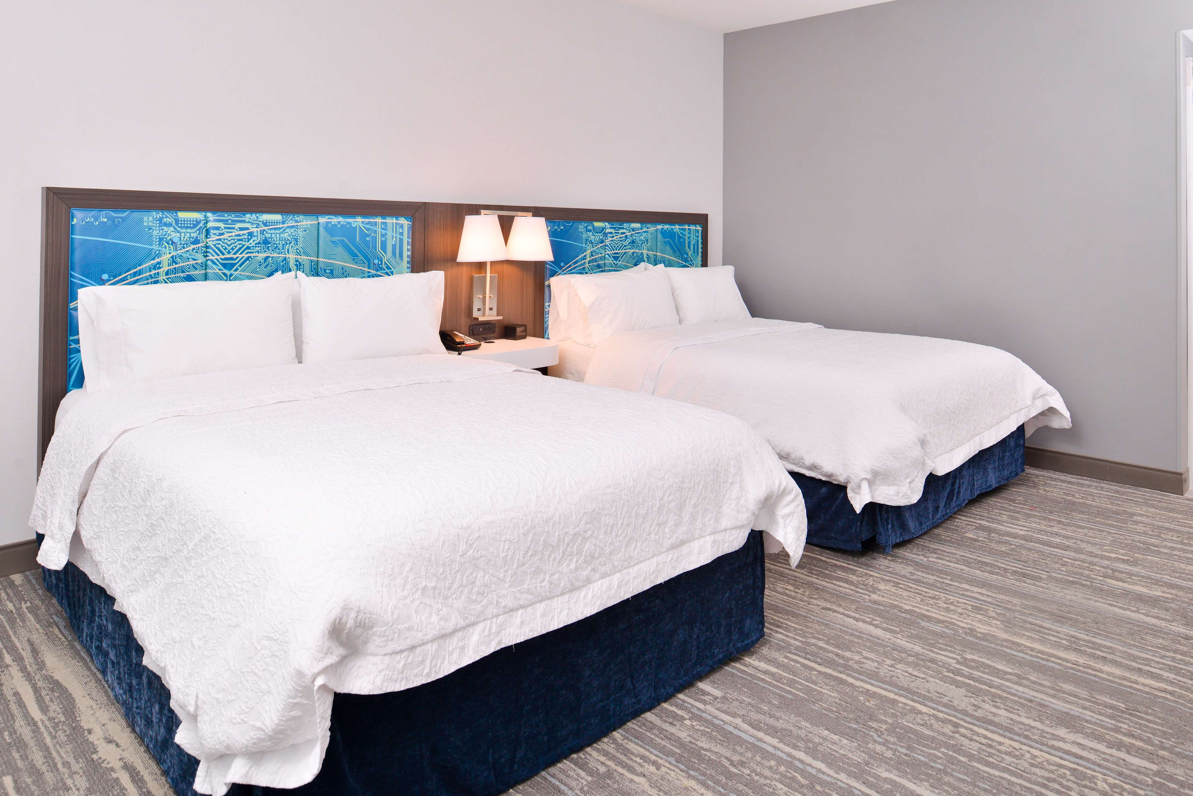 Hampton Inn & Suites St. Paul Oakdale/Woodbury image 26