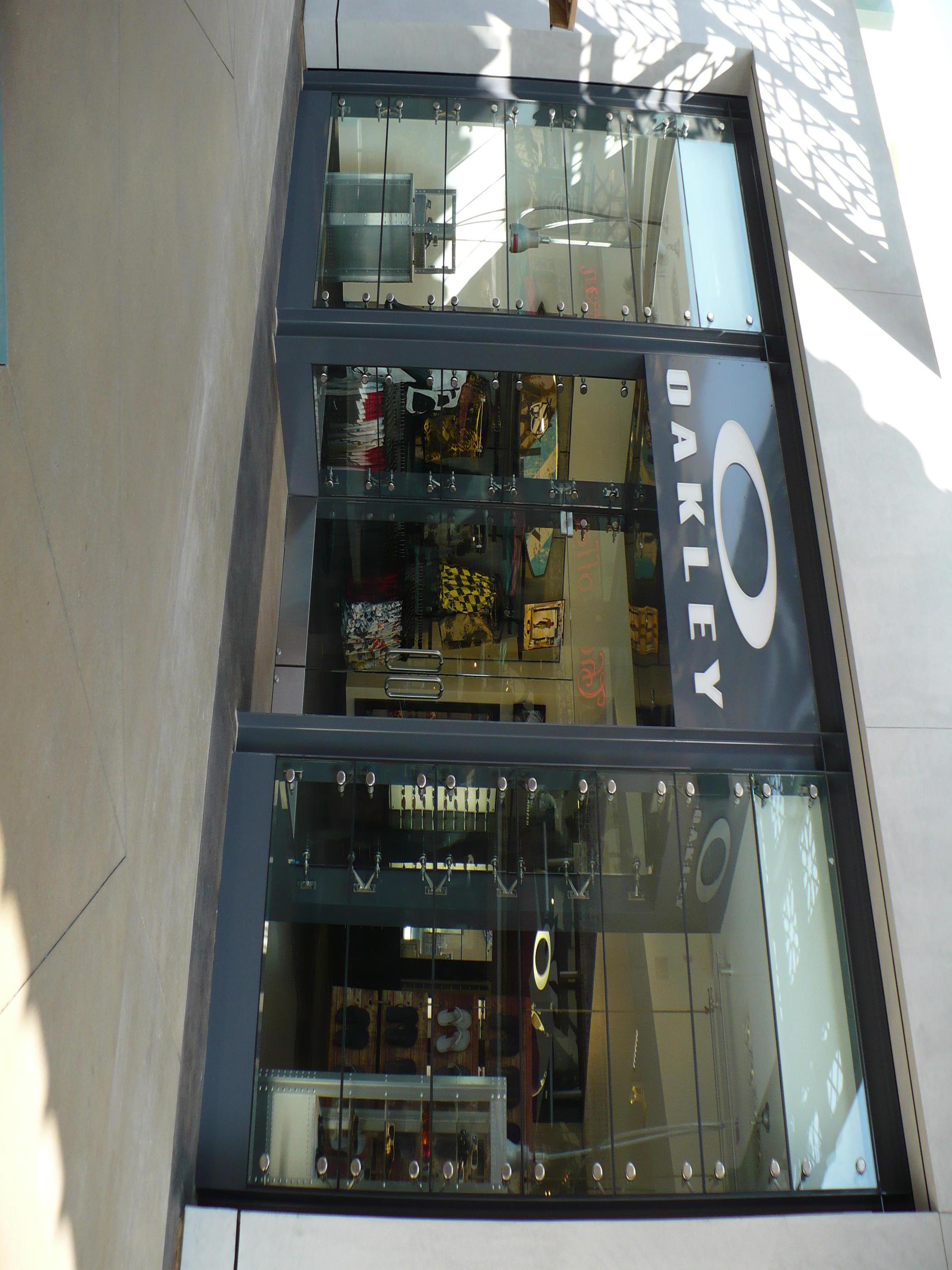 01824fad851 Oakley Store 654 Spectrum Center Dr Irvine Spectrum Center Irvine ...