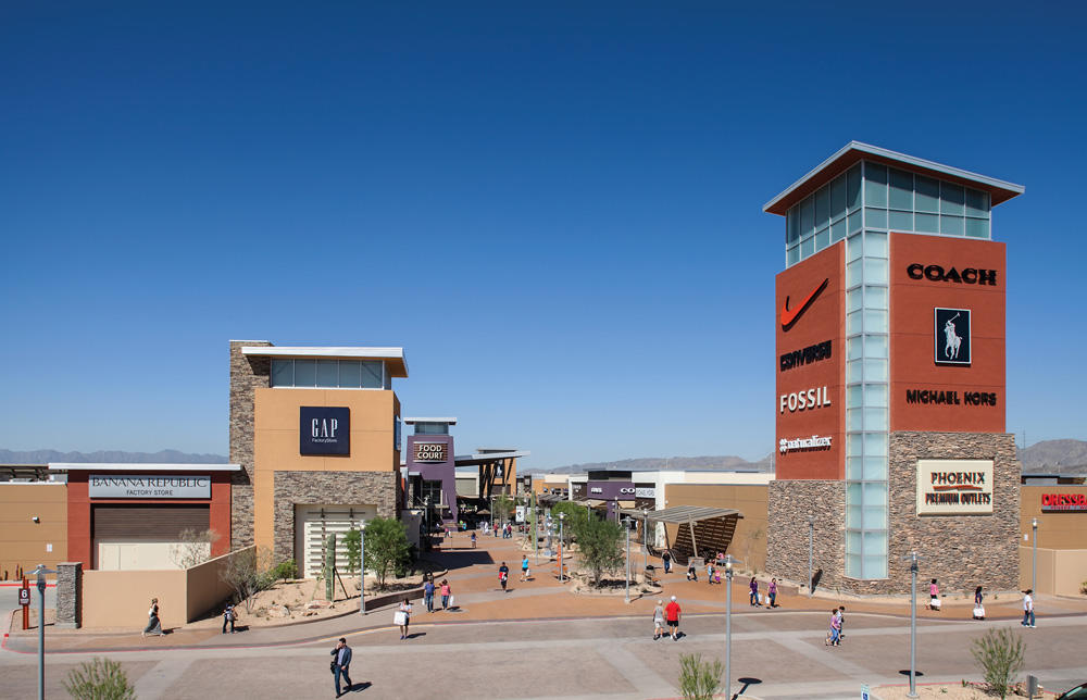 View our list below and have fun shopping in Chandler, AZ! Chandler Fashion Center Mall A premier regional mall, Chandler Fashion Center is anchored by Nordstrom, Dillard's, Macy's and Sears and features premium retailers such as Vera Bradley, Michael Kors, Apple, Coach, H .