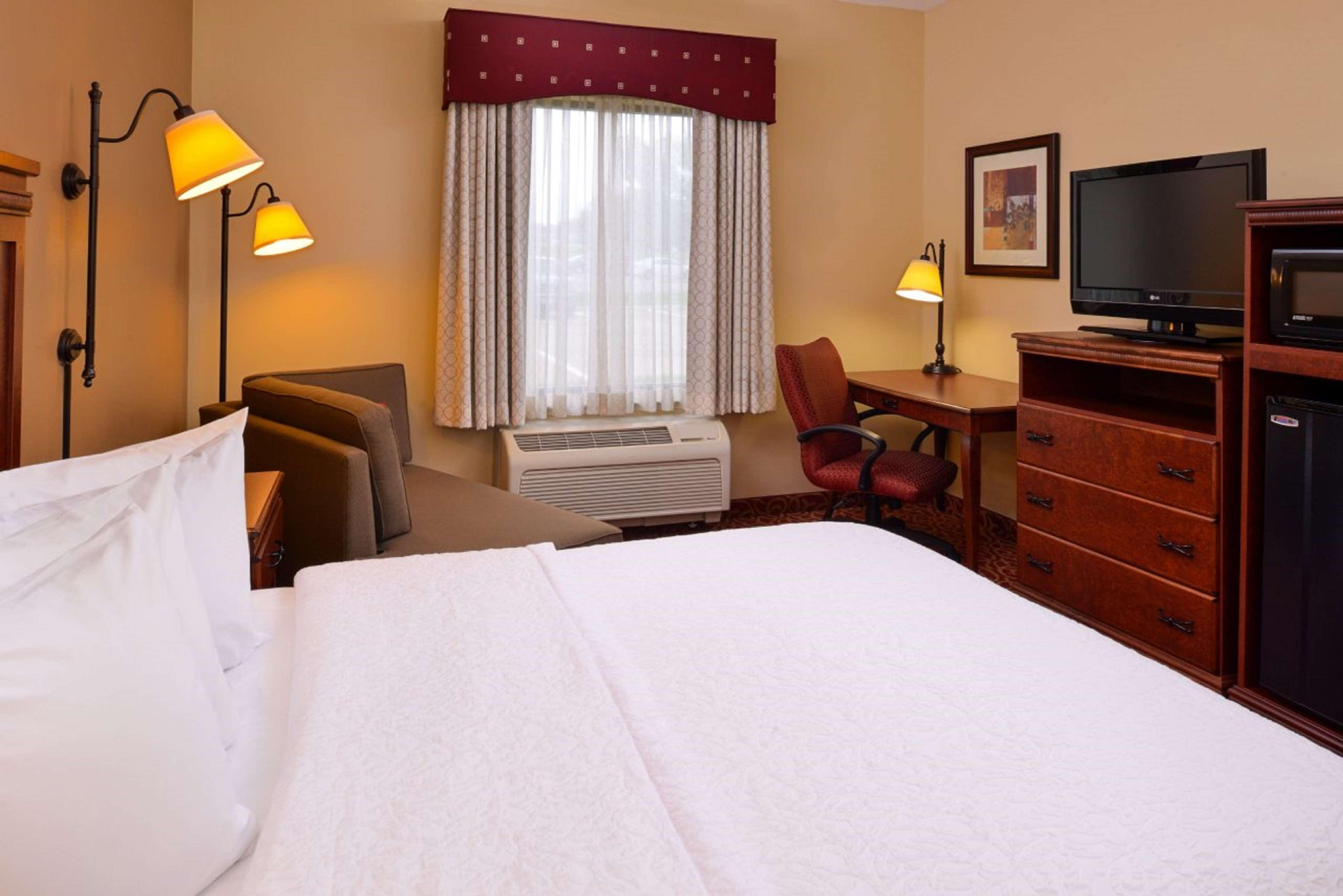 Hampton Inn Lincoln image 20
