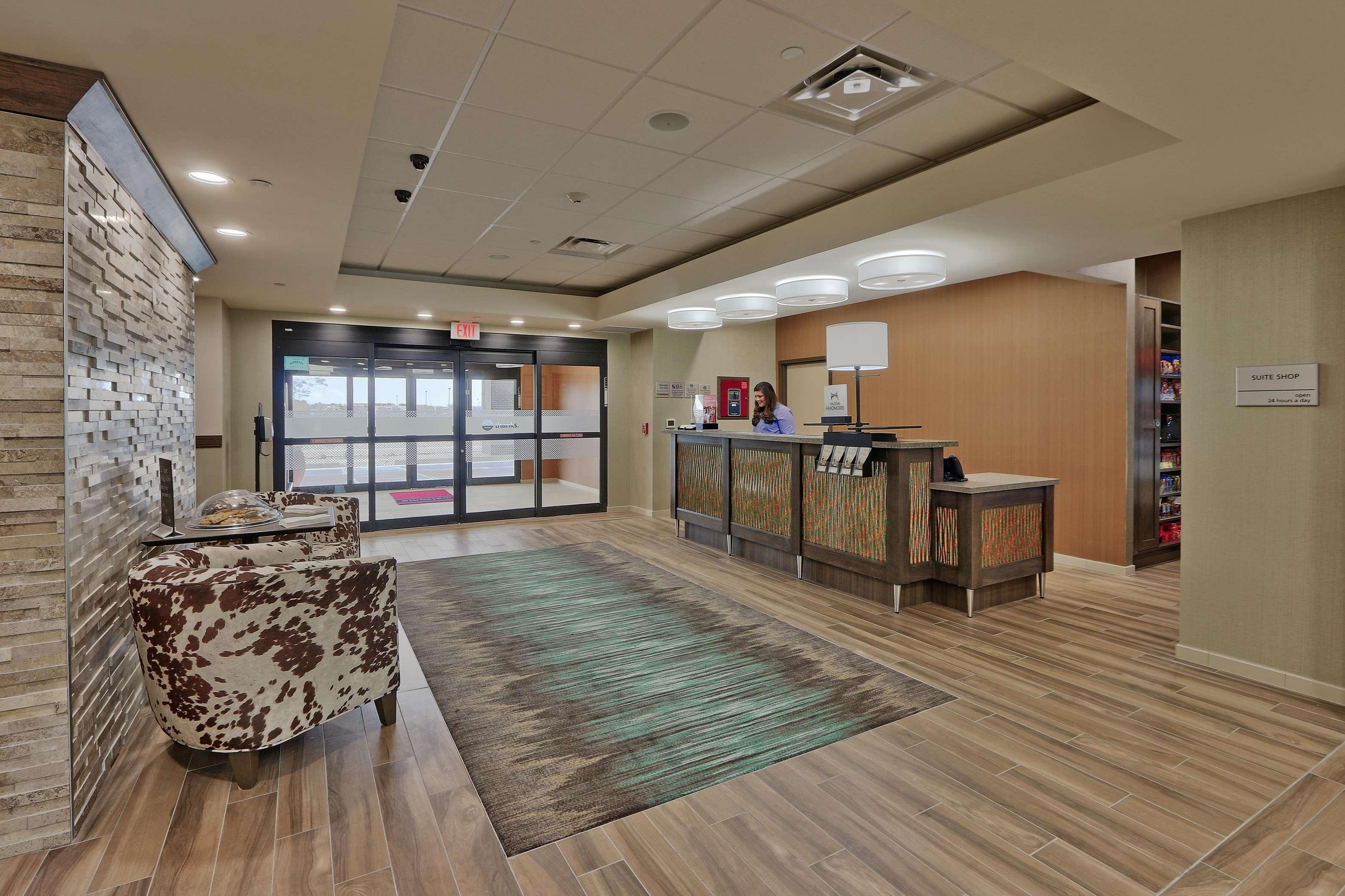 Hampton Inn & Suites Artesia image 27