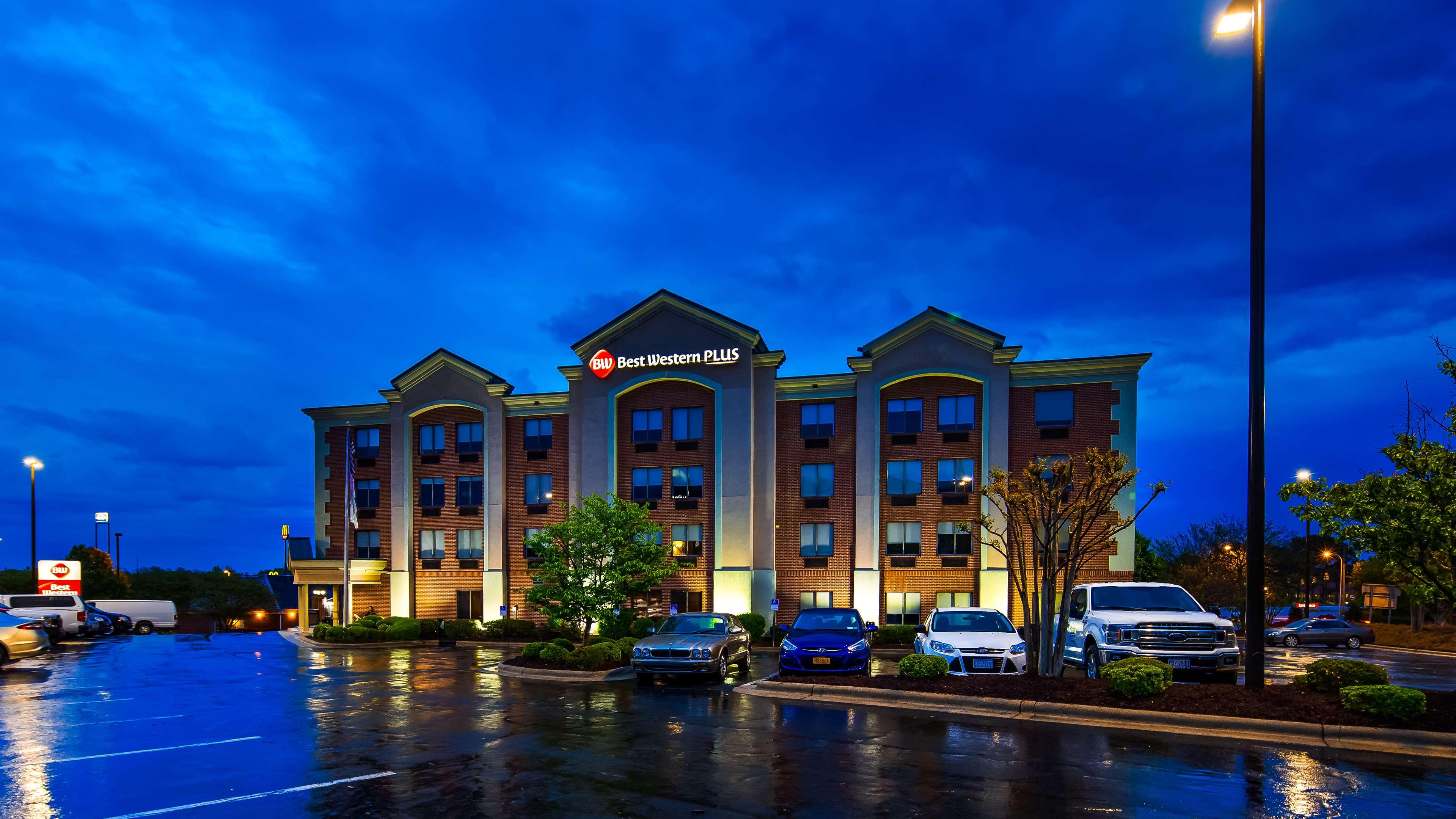 Best Western Plus Greensboro Airport Hotel image 2