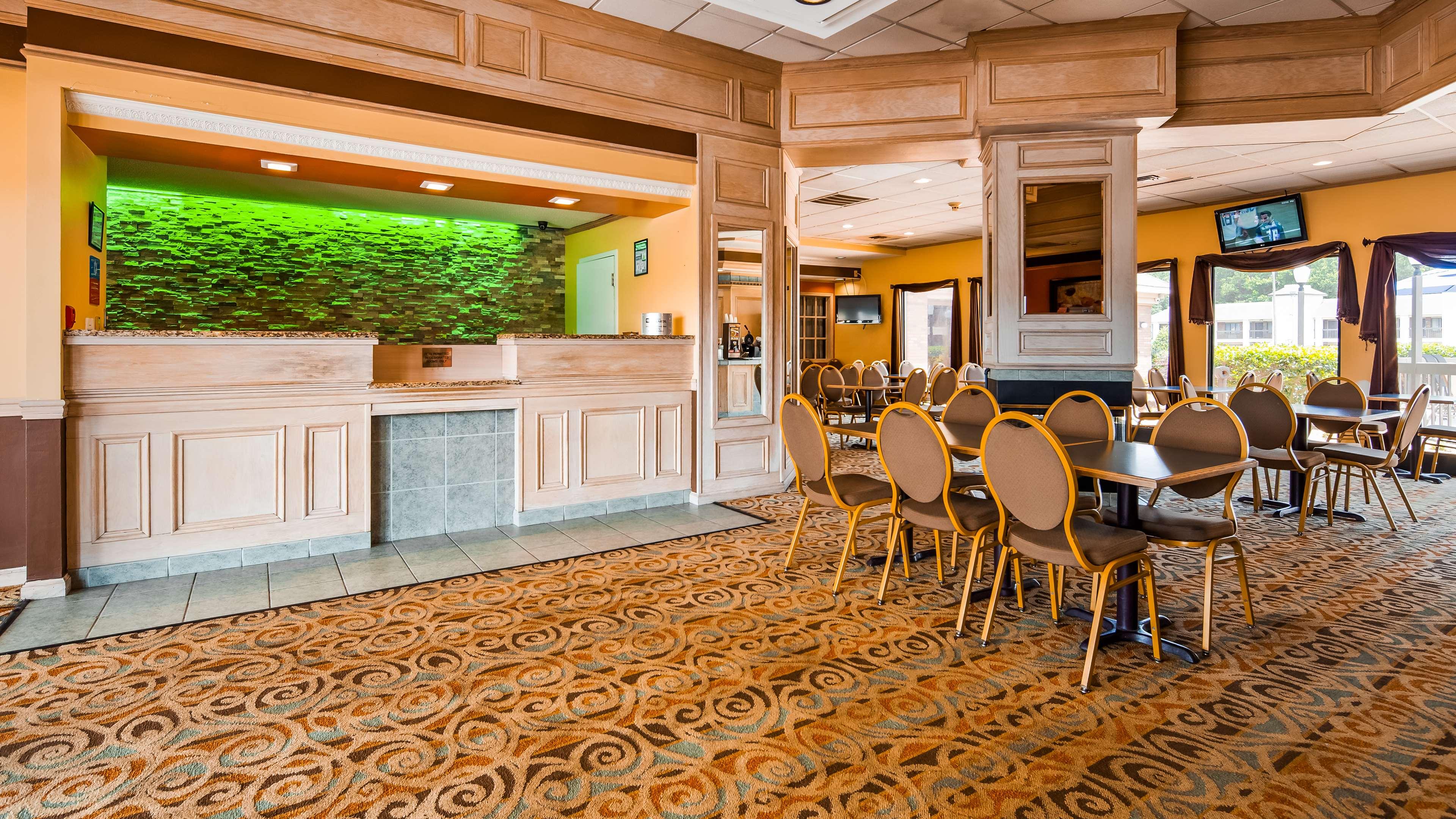 SureStay Plus Hotel by Best Western Fayetteville image 4