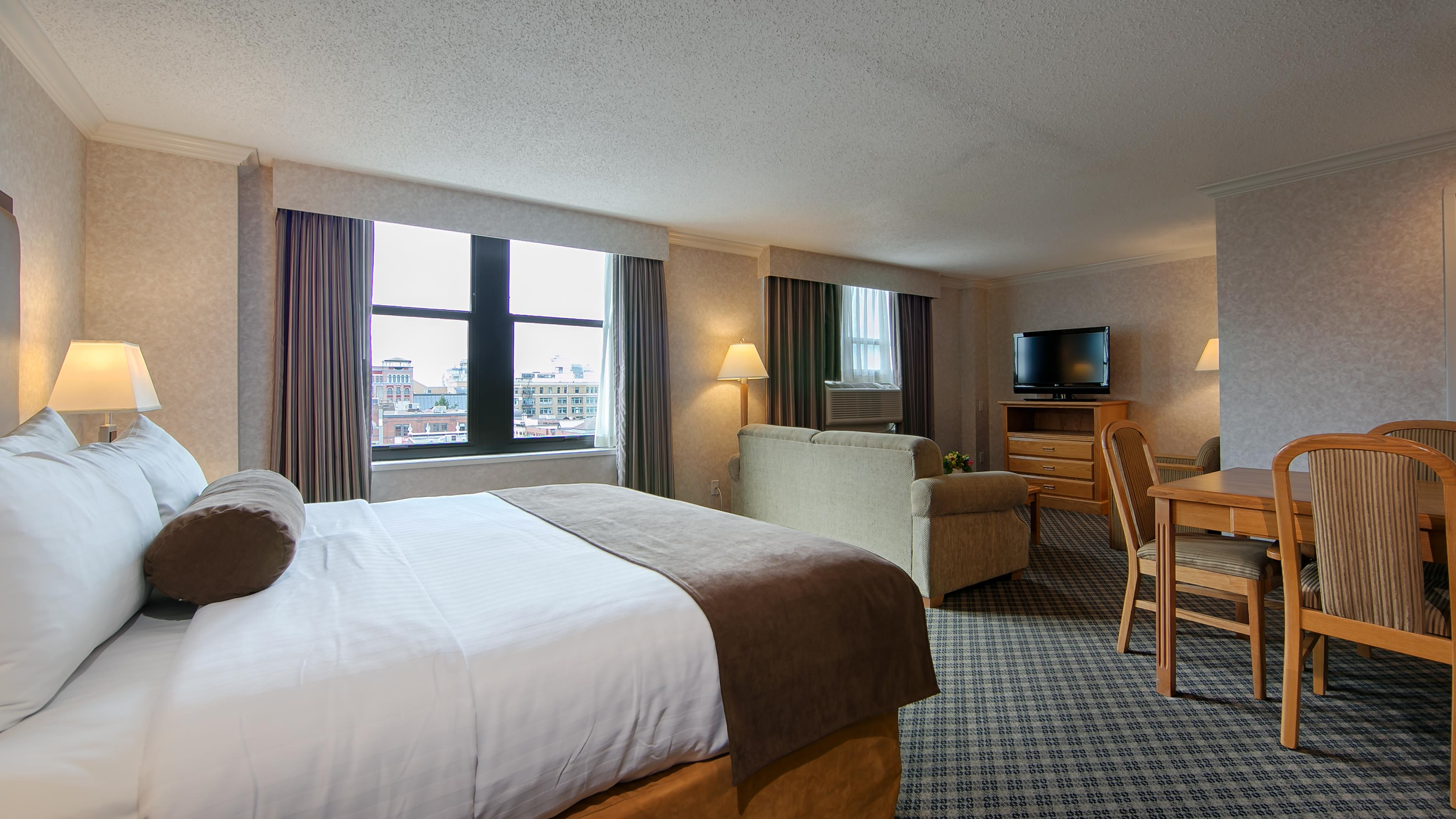 Best Western Plus Carlton Plaza Hotel in Victoria: Studio King Room