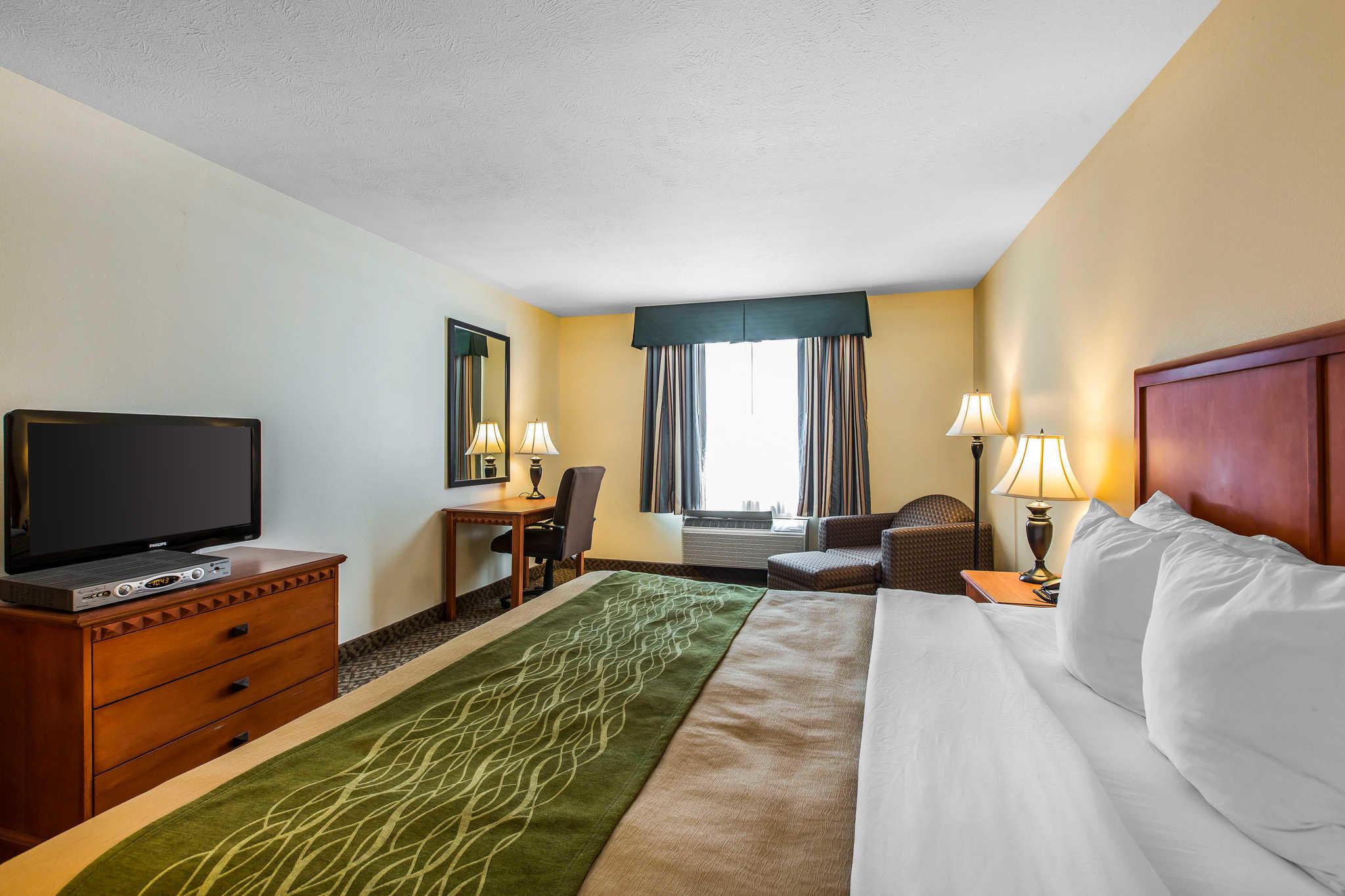 Comfort Inn & Suites El Centro I-8 image 0