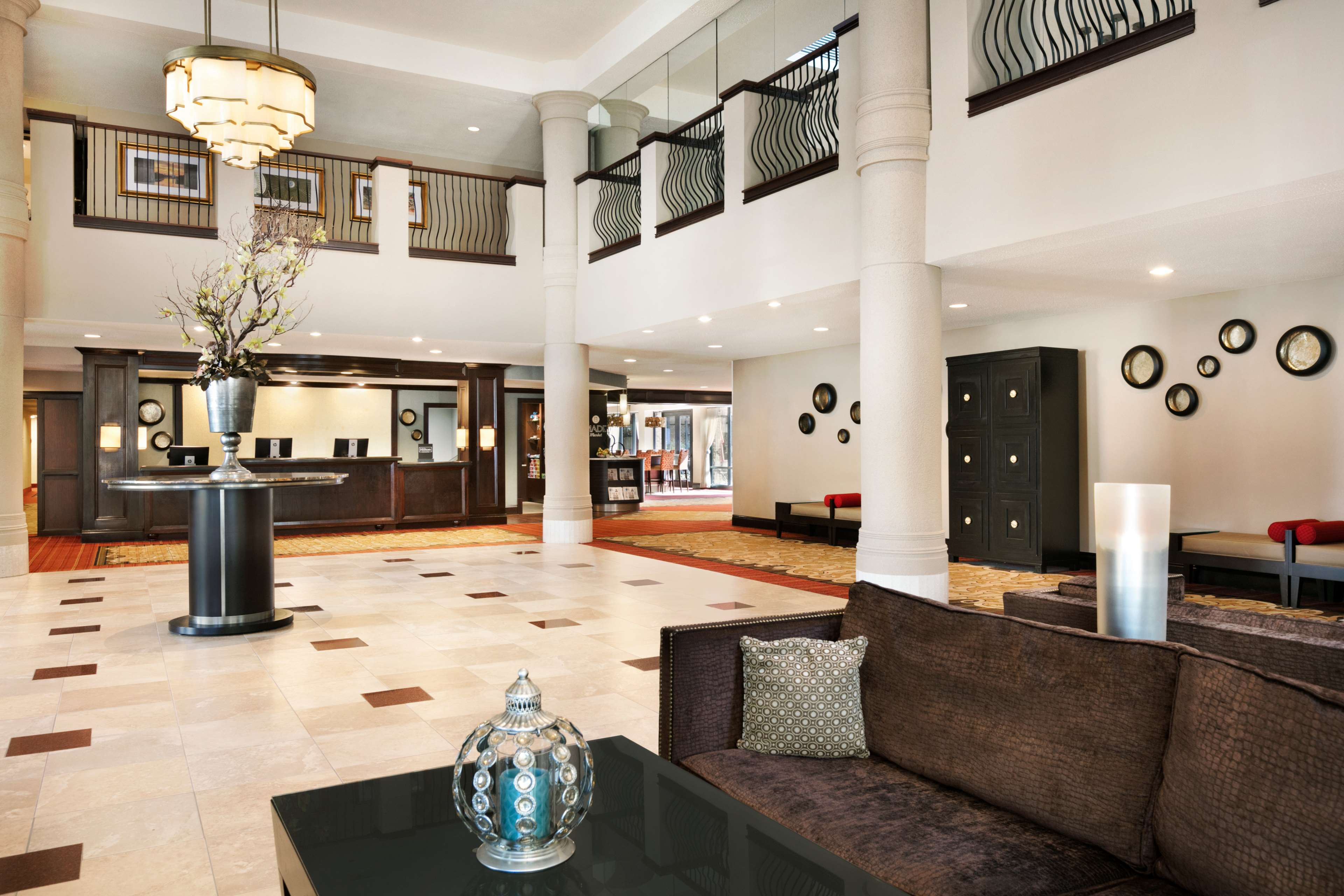 DoubleTree by Hilton McLean Tysons image 4
