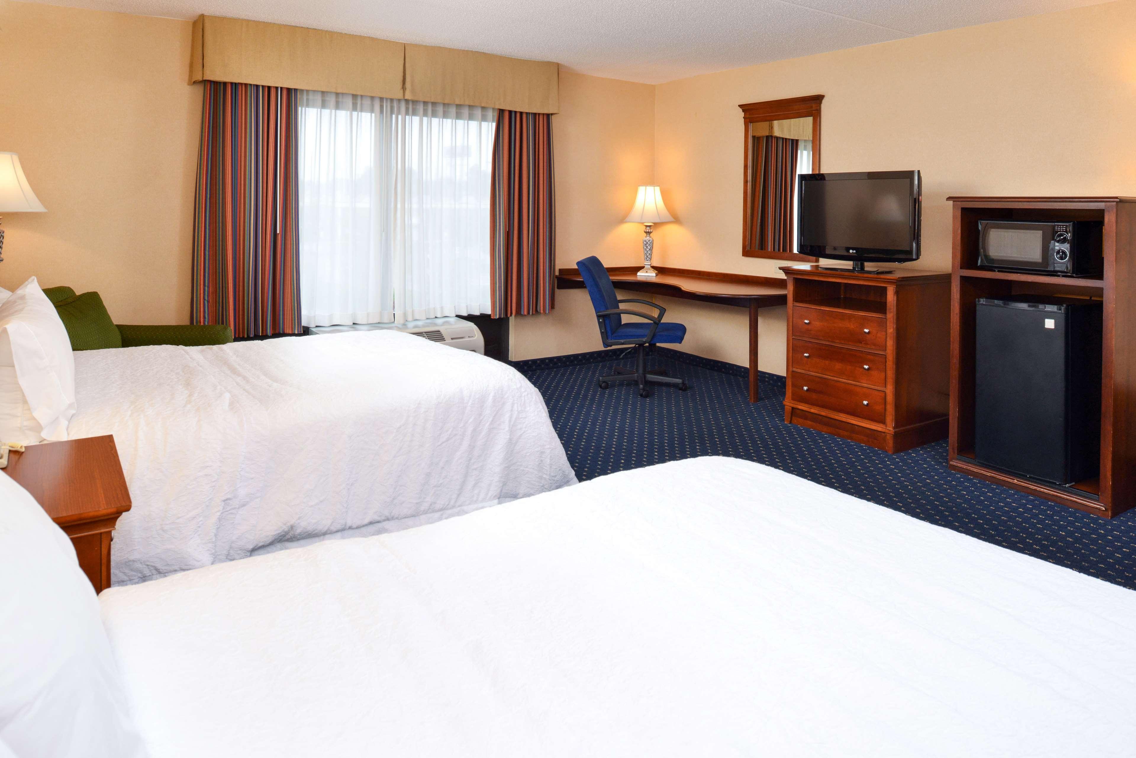 Hampton Inn & Suites Fredericksburg South image 35