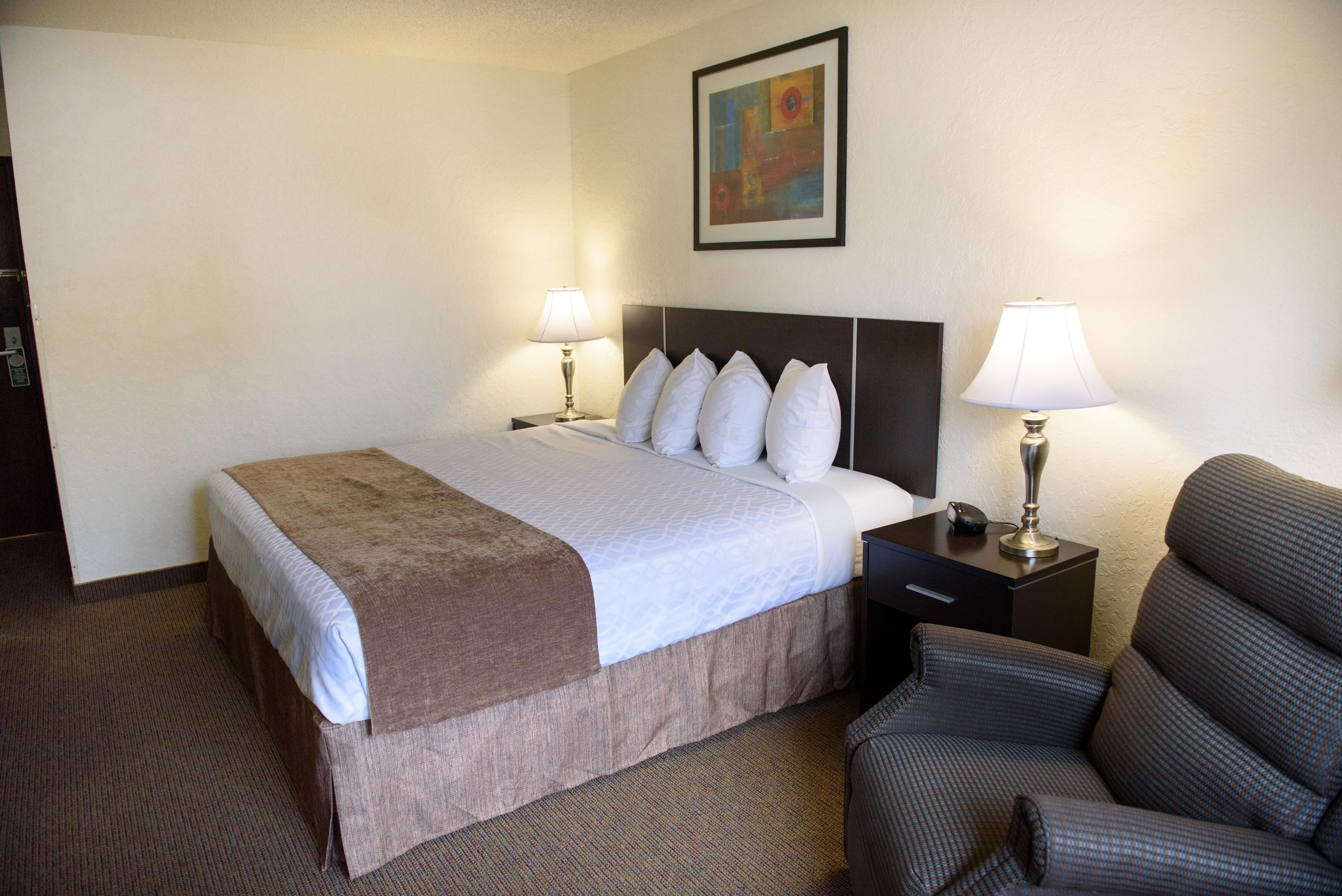 Americas Best Value Inn - New Paltz image 9