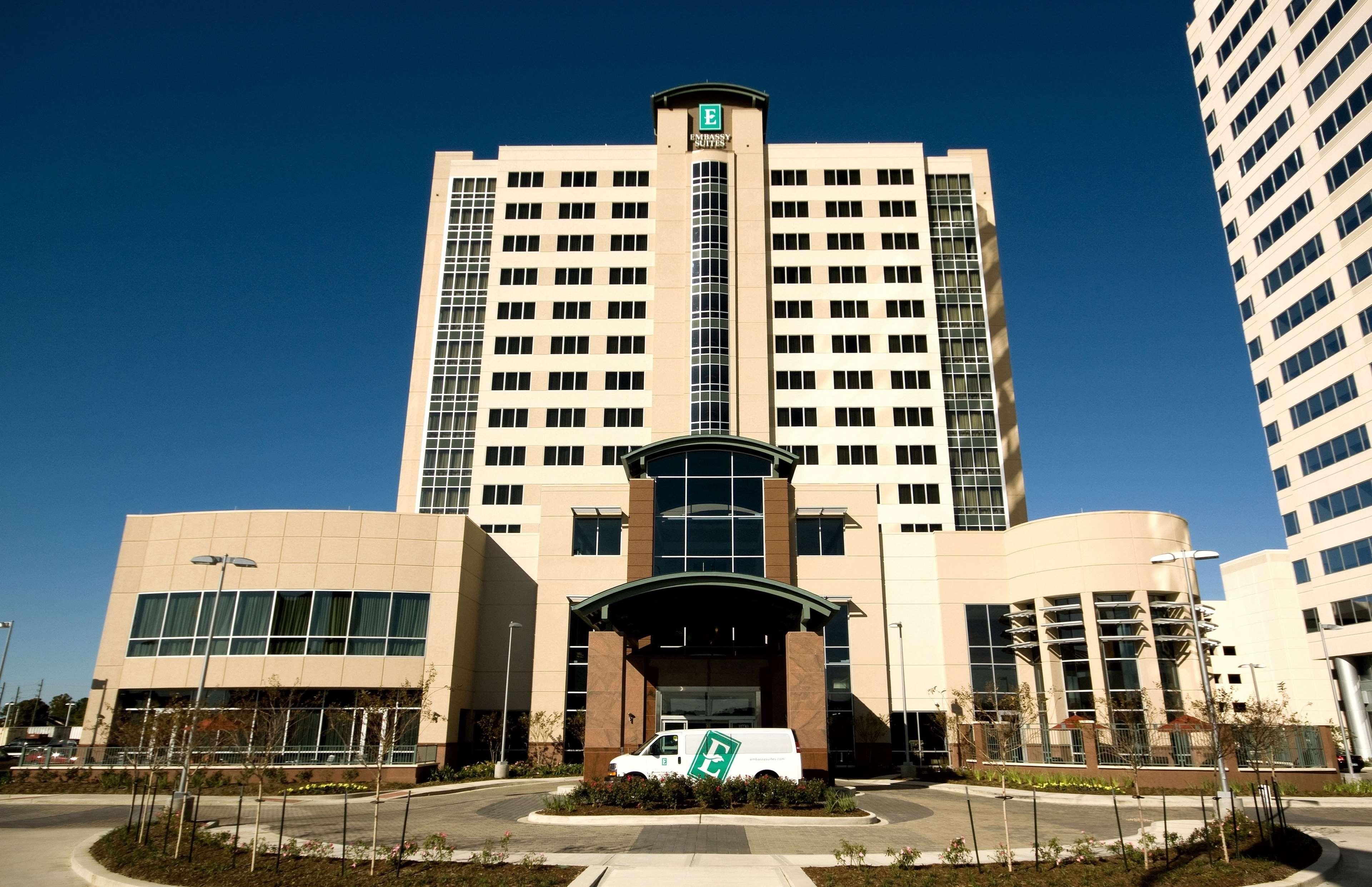 Embassy Suites by Hilton Houston Energy Corridor image 2