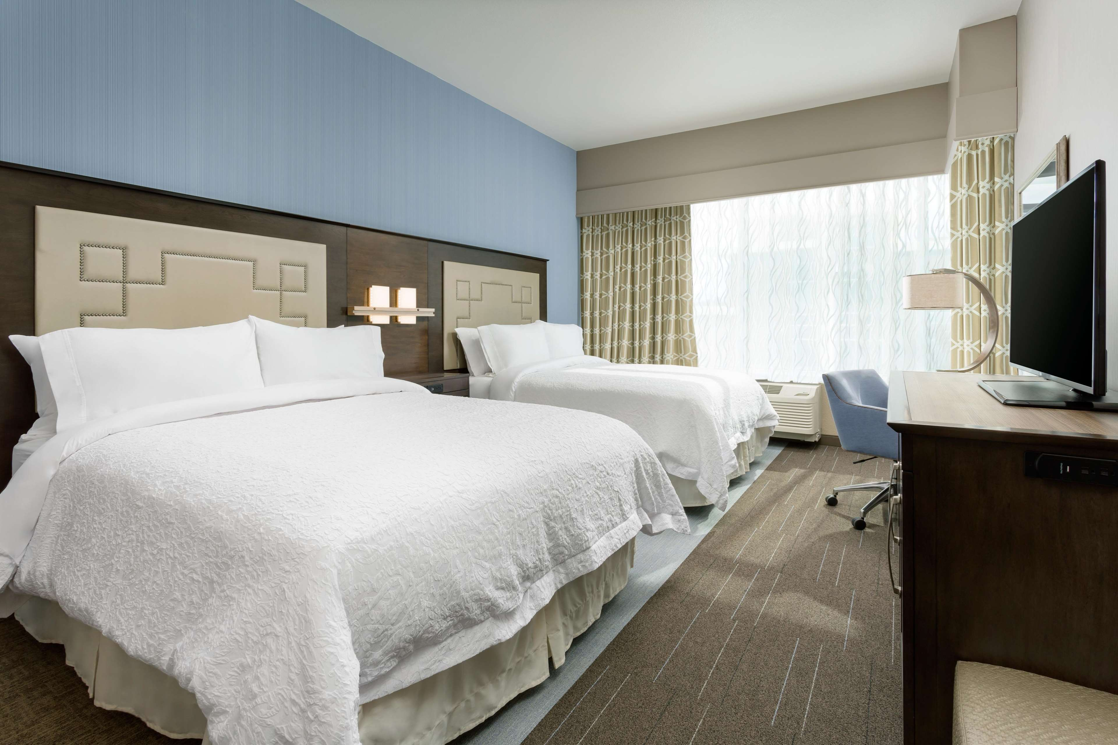 Hampton Inn & Suites Napa image 3