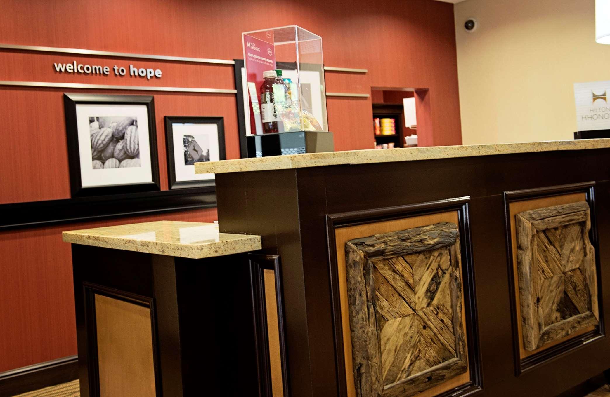 Hampton Inn & Suites Hope image 7
