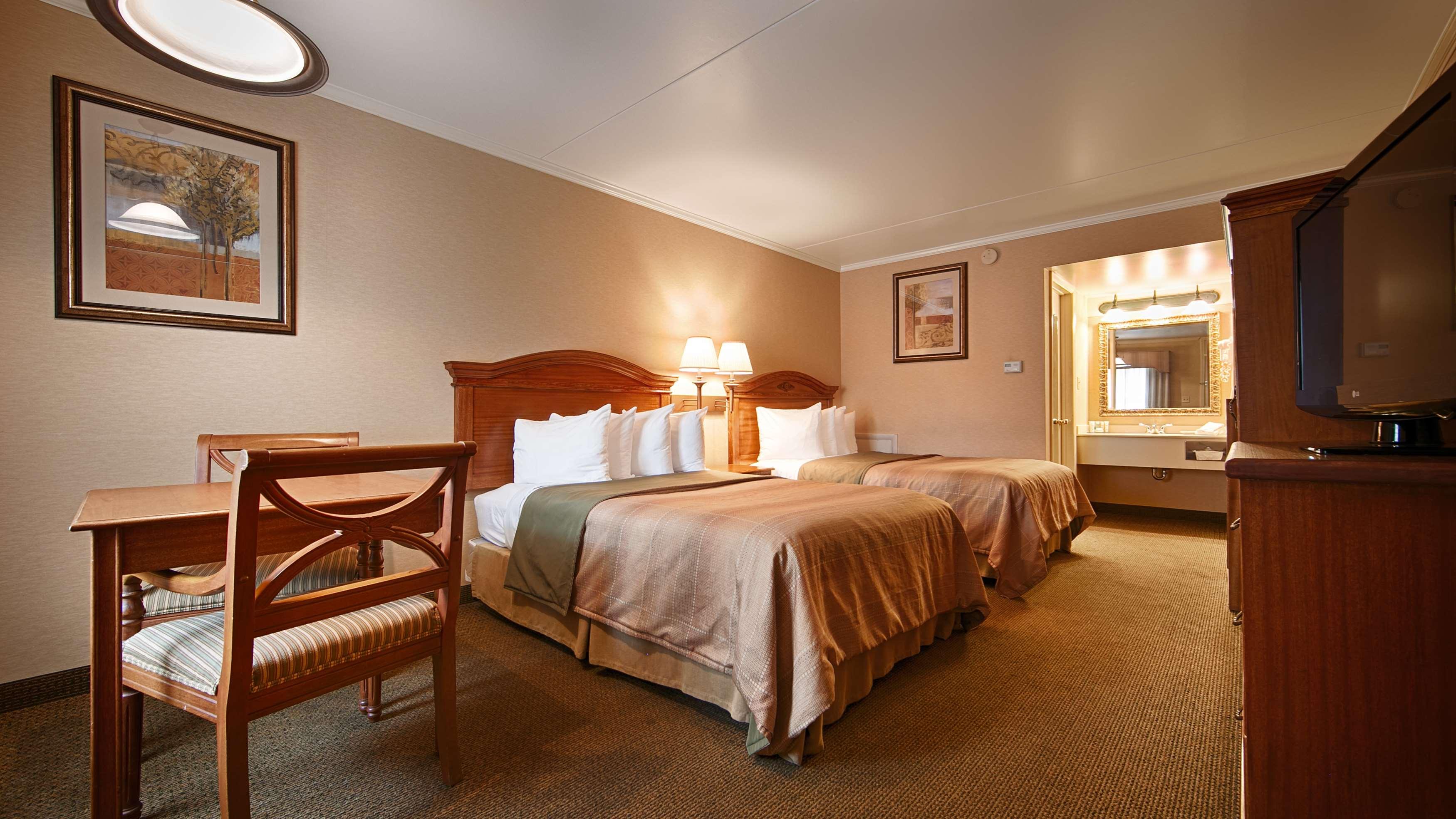 Best Western Plus Revere Inn & Suites image 7