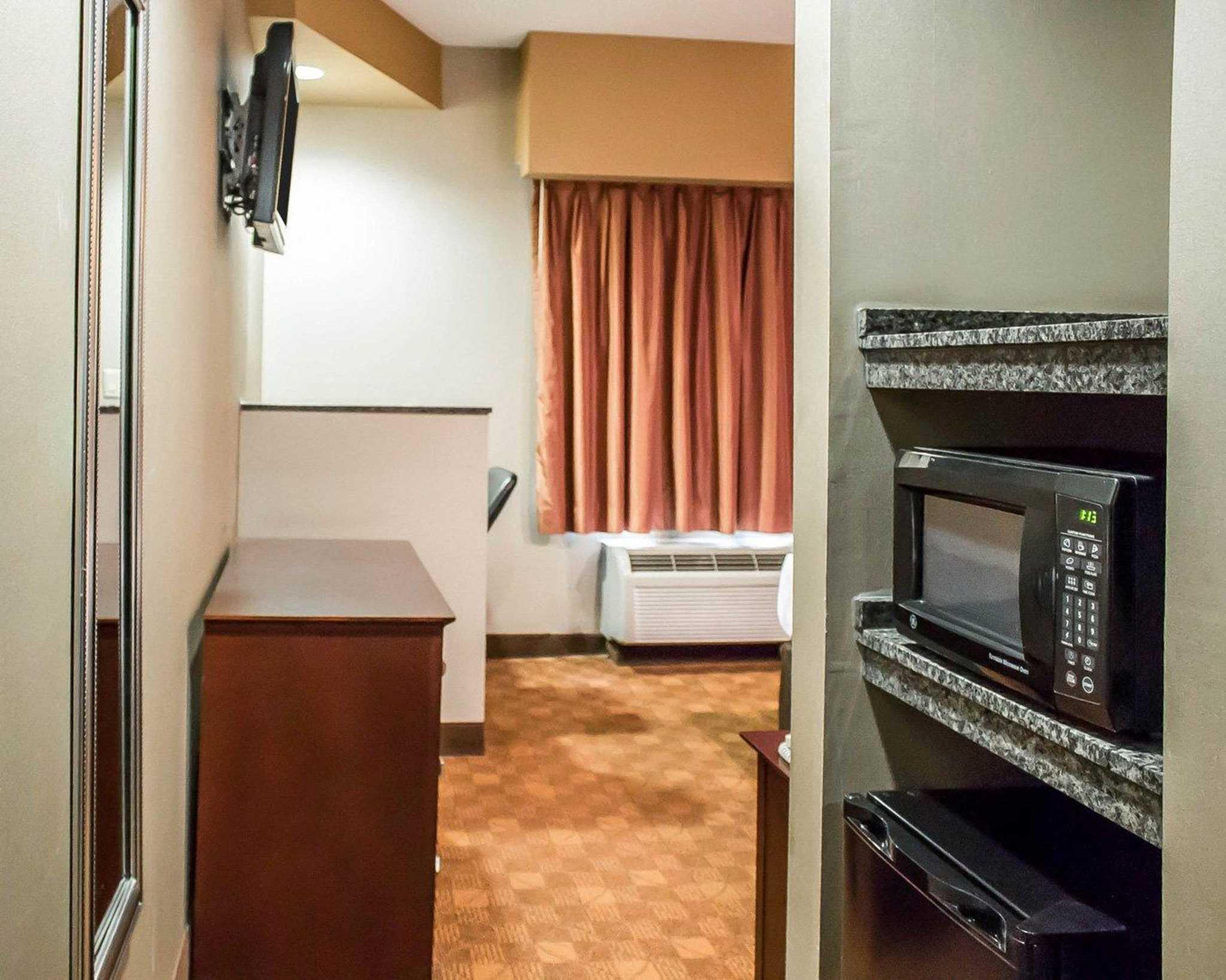 Comfort Suites Perrysburg - Toledo South image 5
