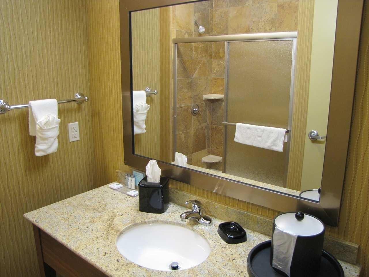 Hampton Inn & Suites Jamestown, ND image 8