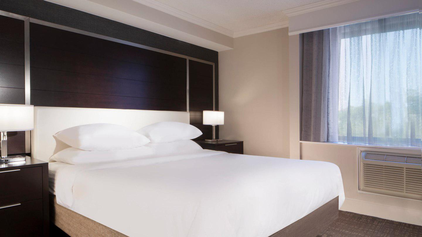Marriott at Research Triangle Park image 12