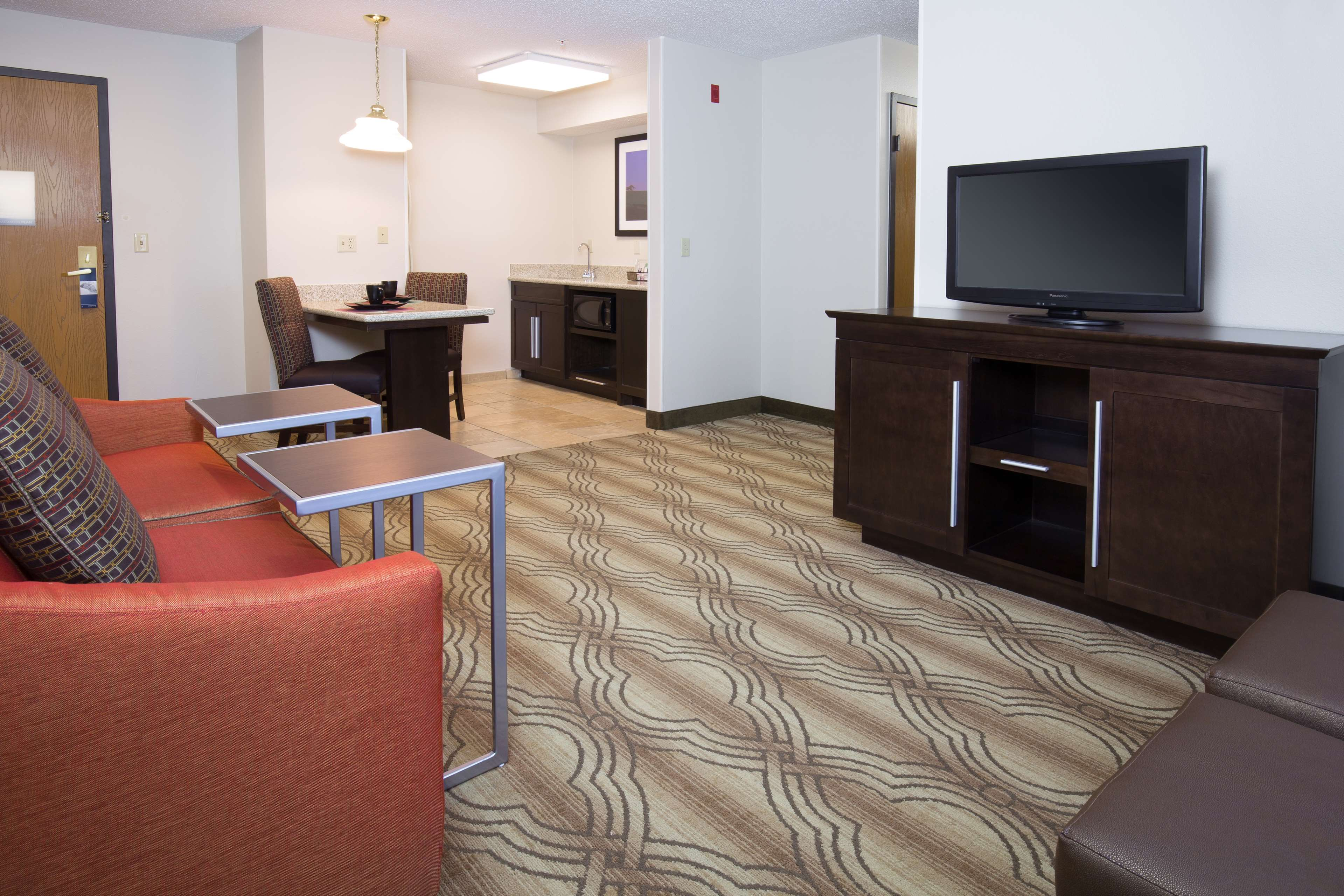 Hampton Inn & Suites Ft. Wayne-North image 22