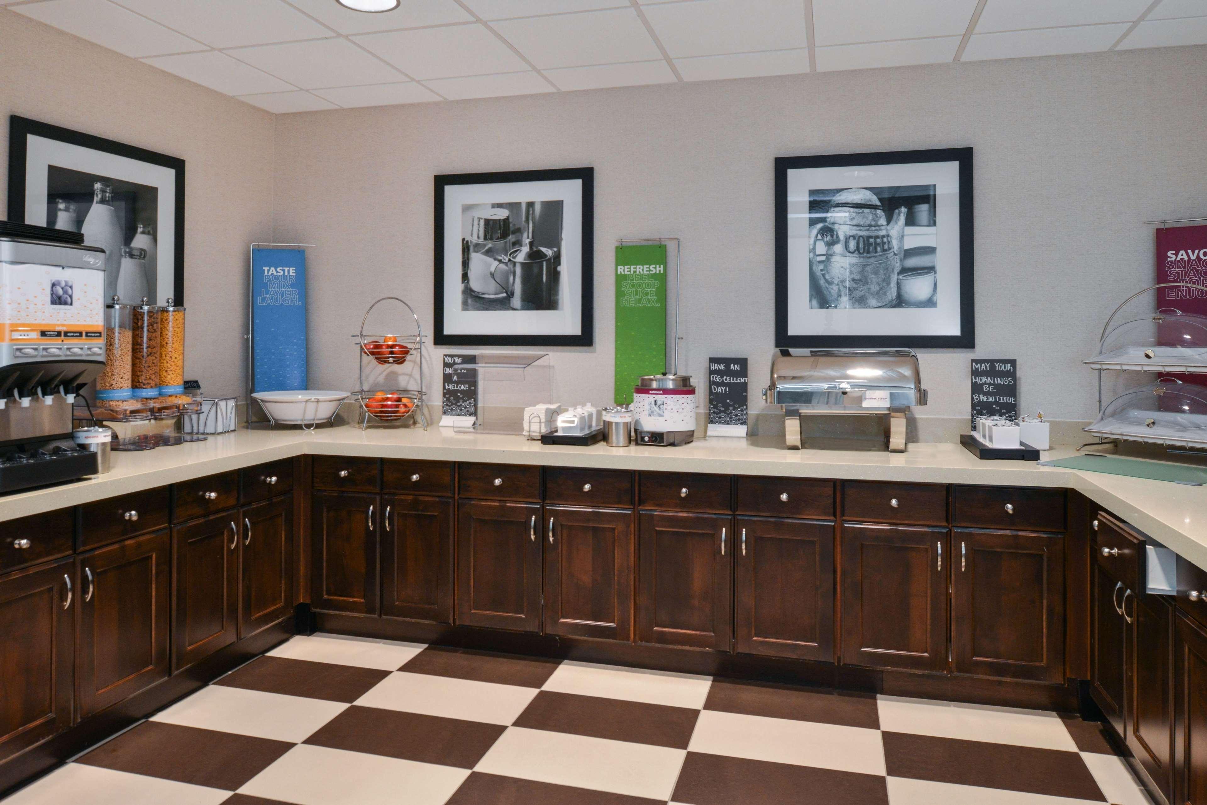 Hampton Inn & Suites Denver-Speer Boulevard image 48