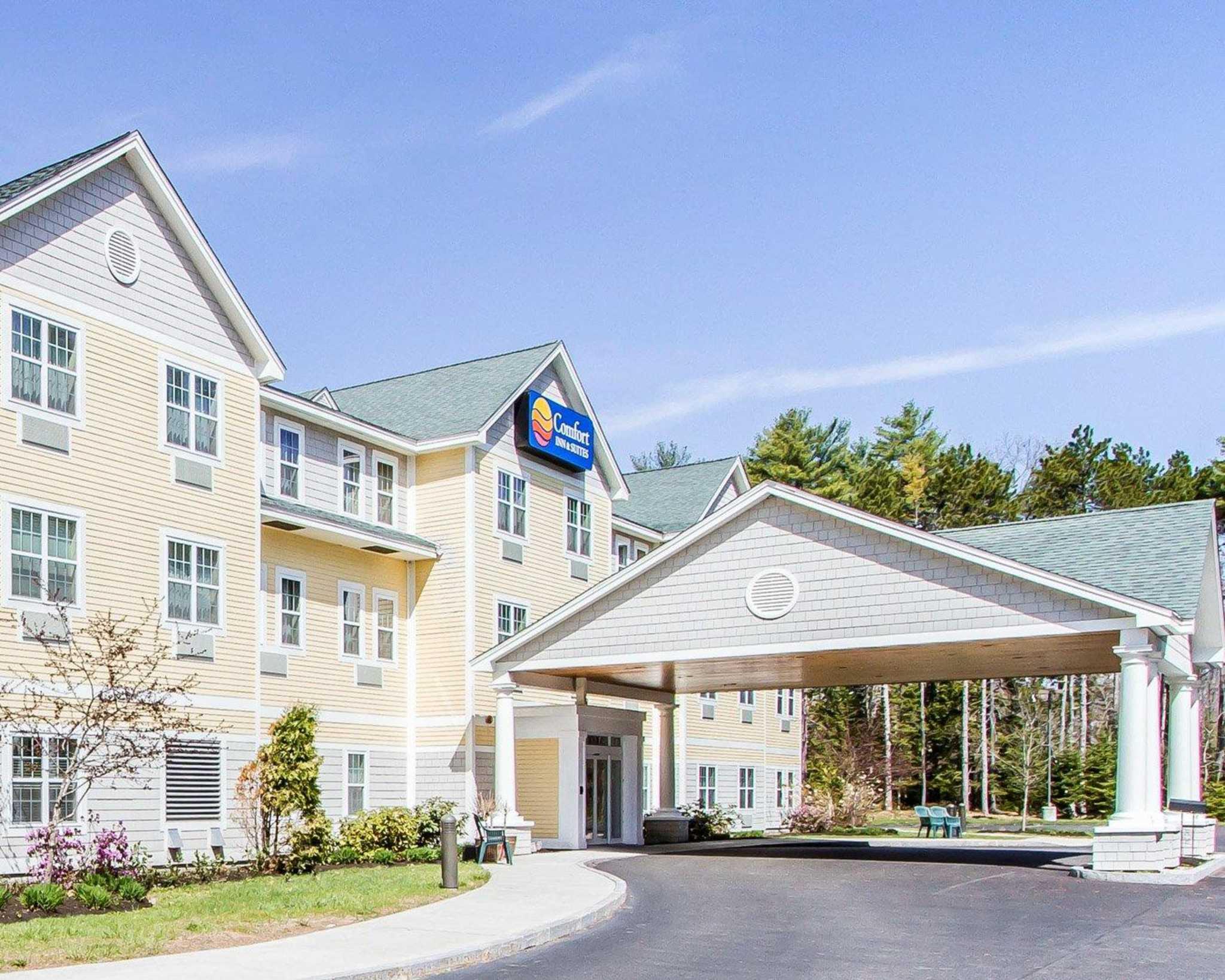 comfort inn suites scarborough portland at 329 us route. Black Bedroom Furniture Sets. Home Design Ideas