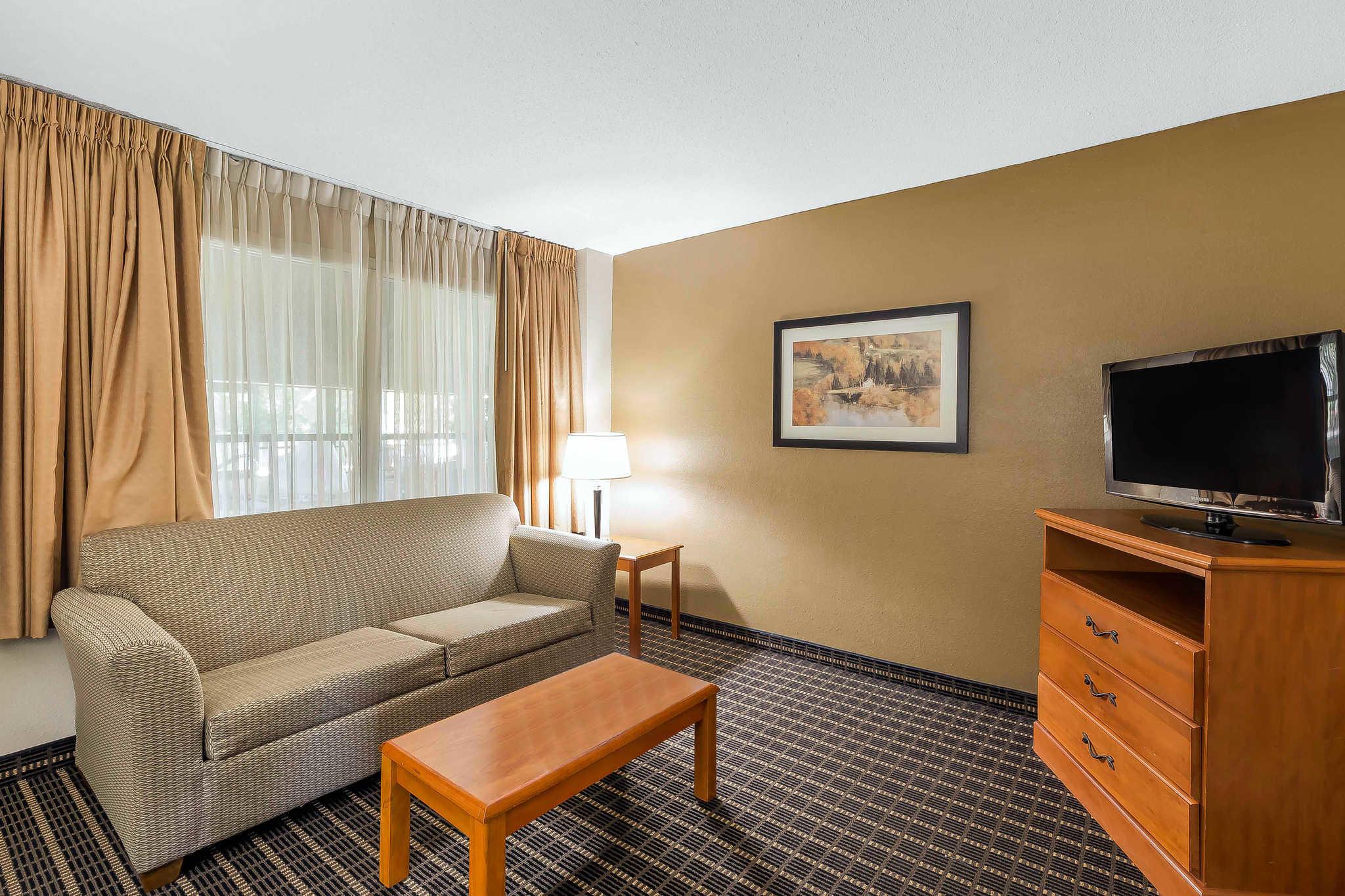 Quality Inn & Suites River Suites image 20