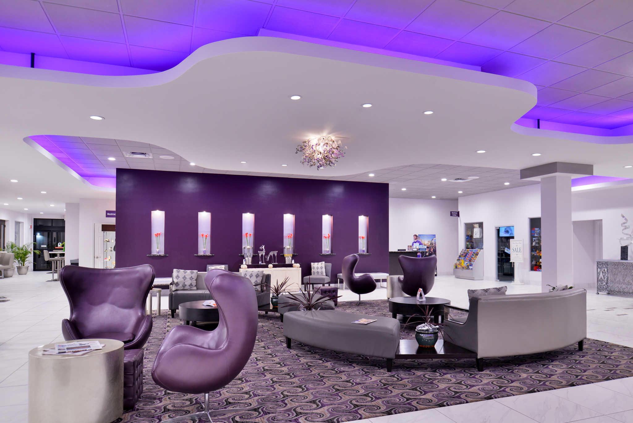 Clarion Inn & Suites Orlando near Theme Parks image 6