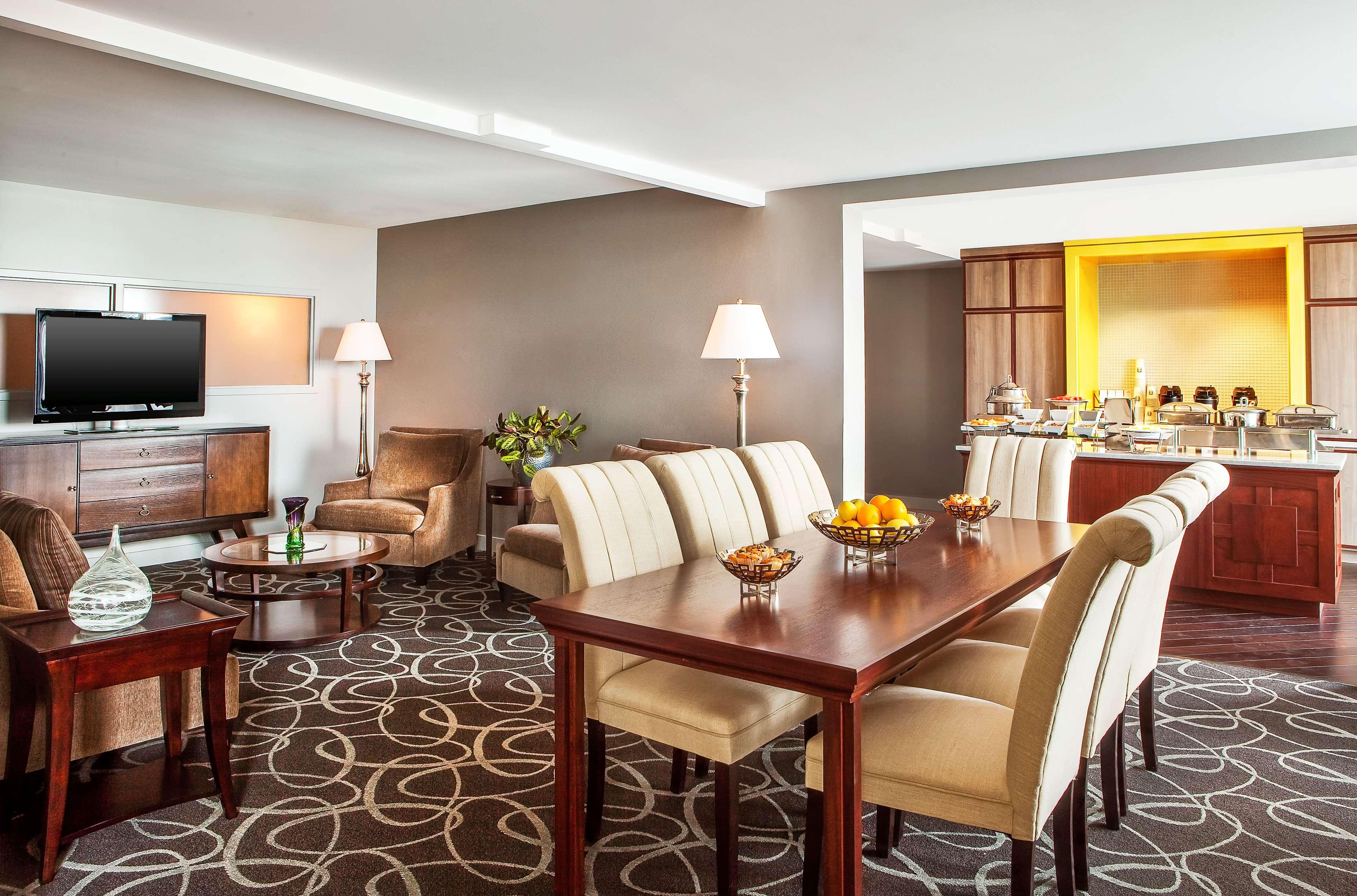 Sheraton Harrisburg Hershey Hotel image 3