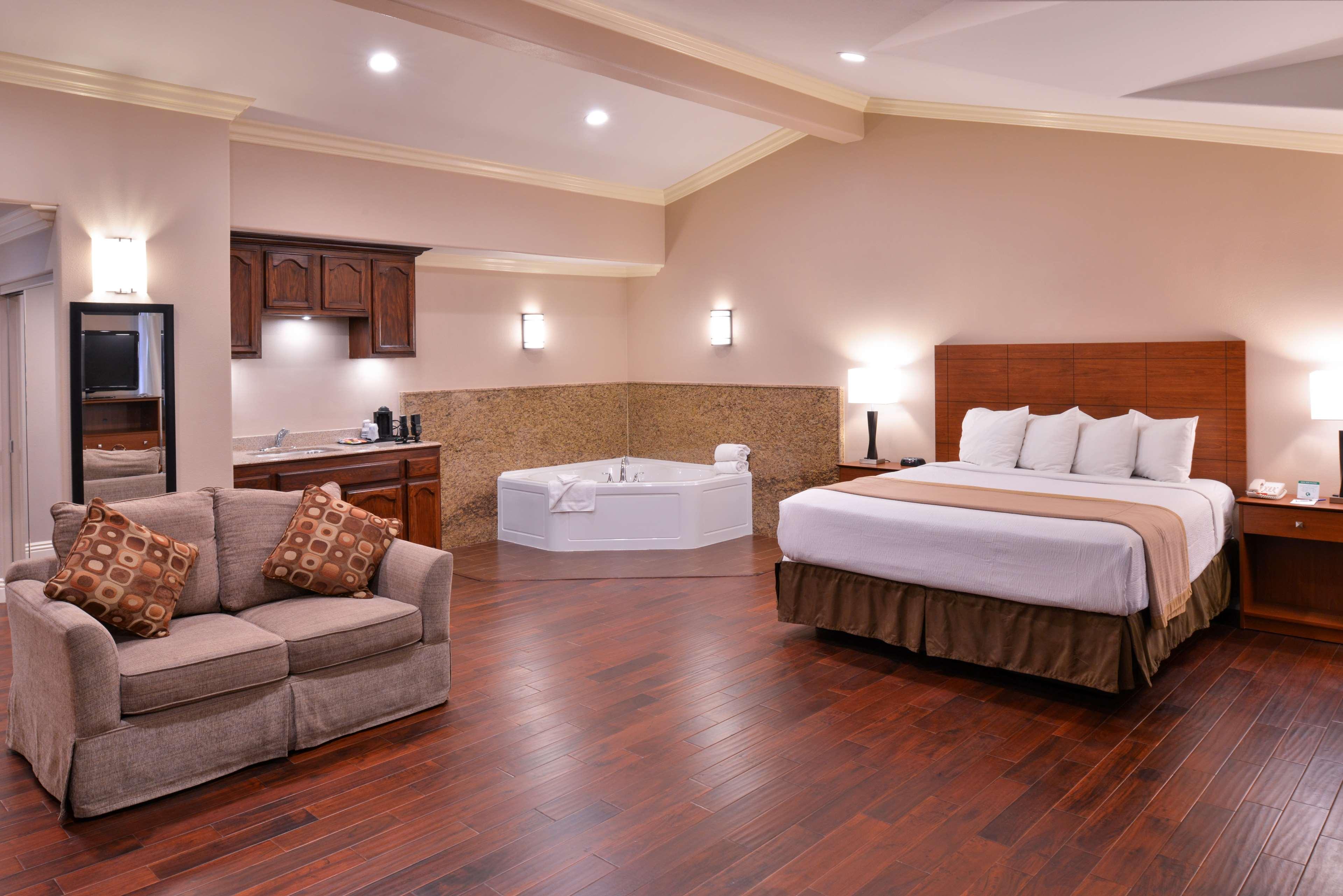 Best Western Oxnard Inn image 21