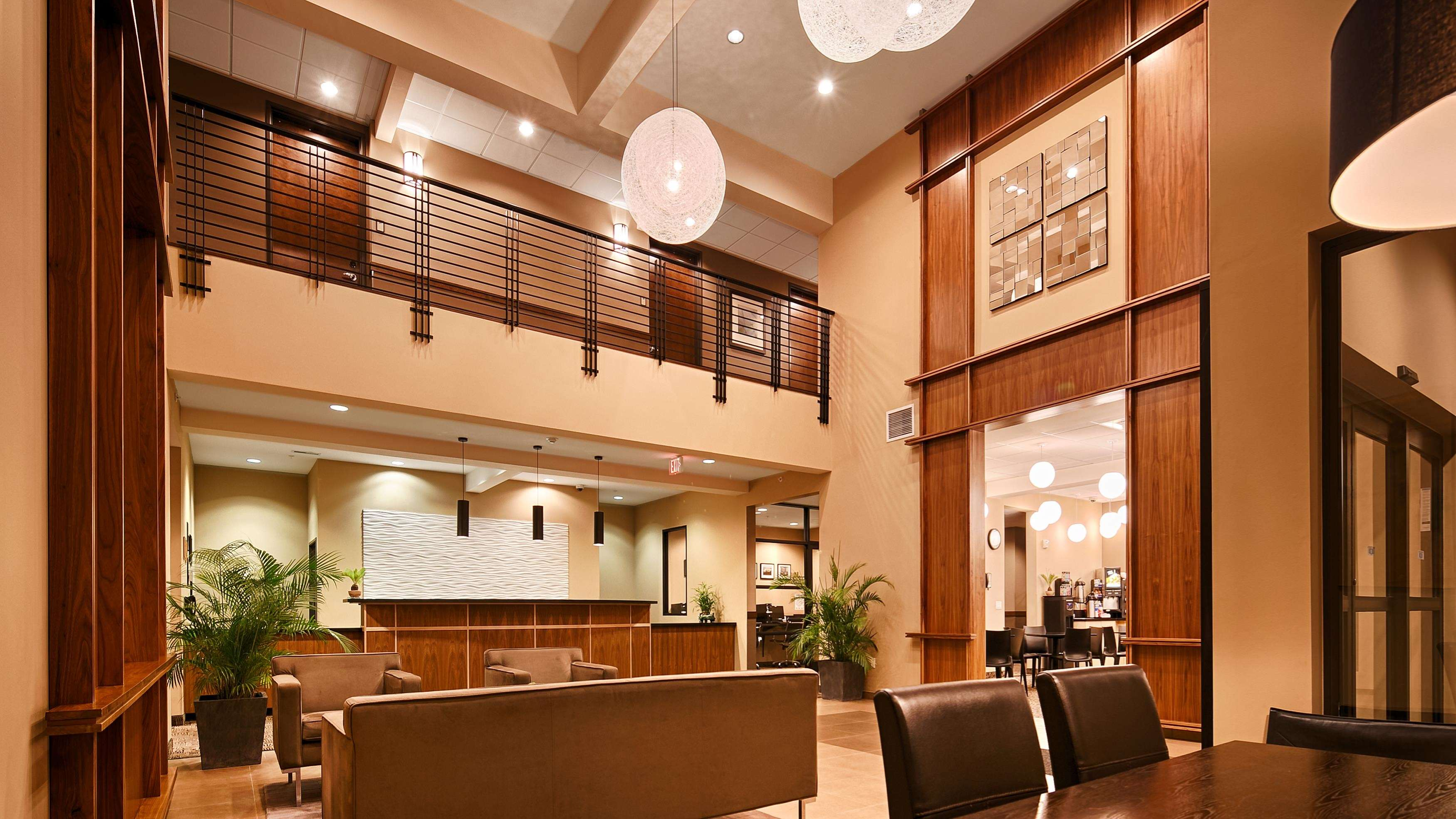 Best Western Plus Lacey Inn & Suites image 0