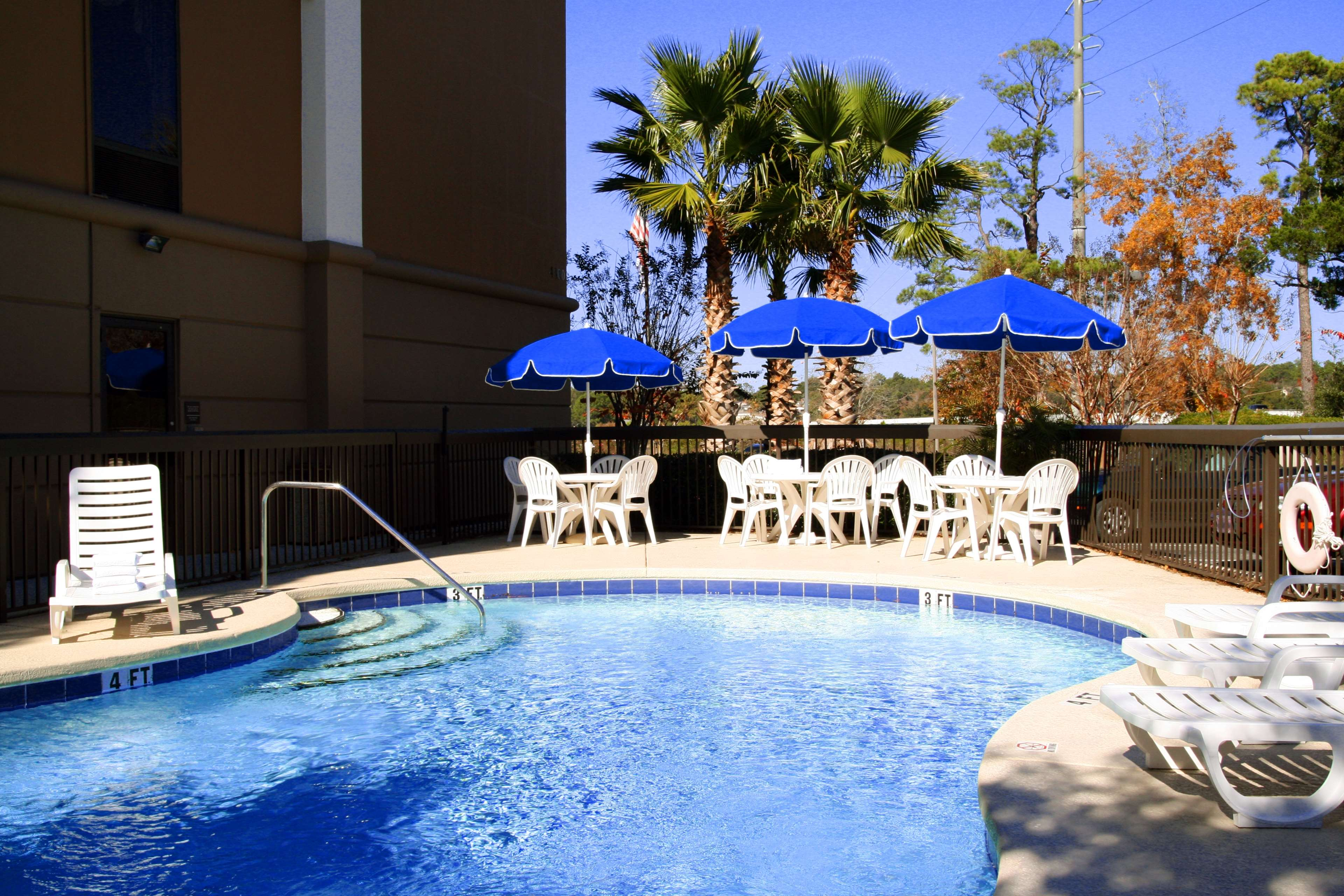 Hampton Inn Niceville-Eglin Air Force Base image 5
