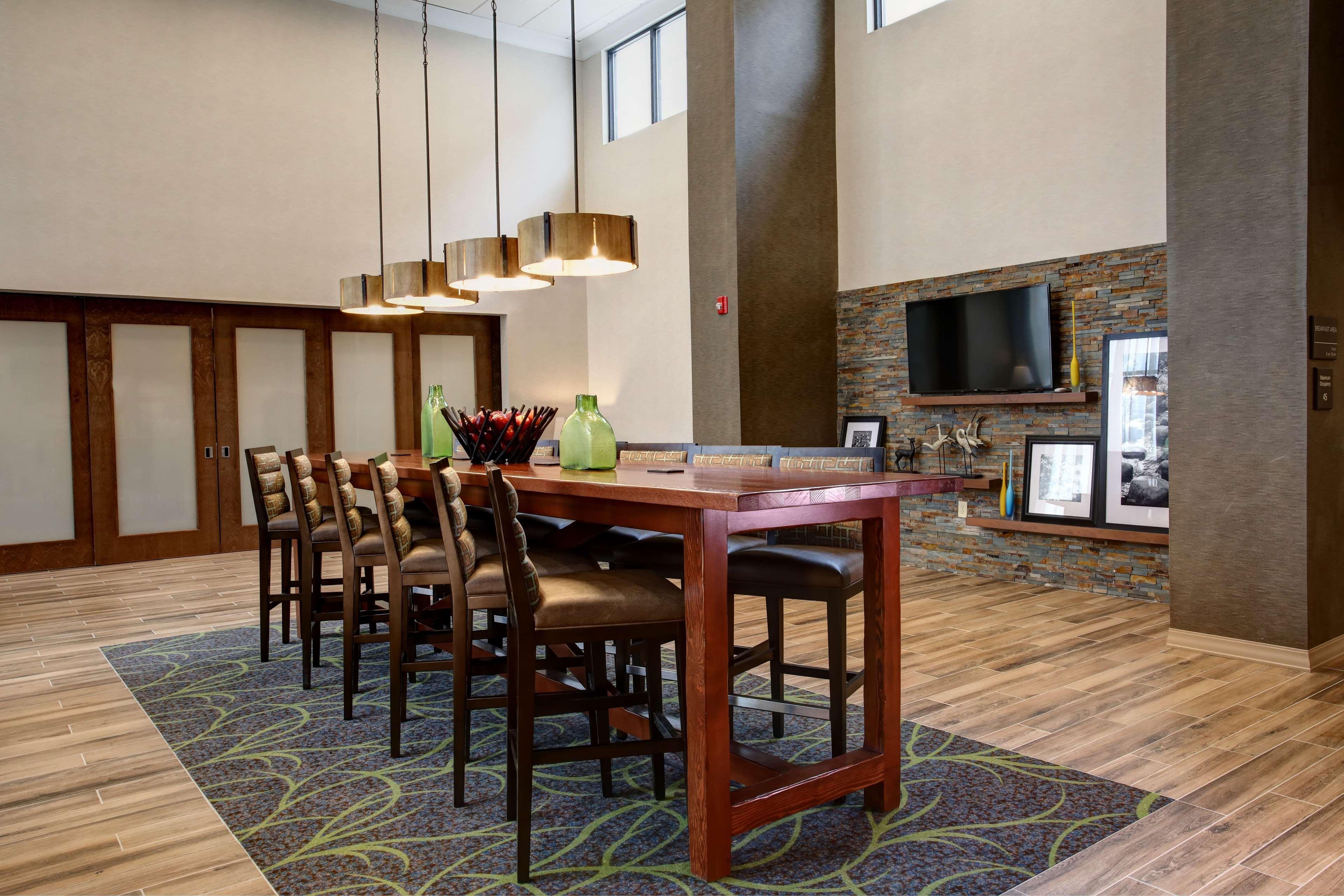 Hampton Inn & Suites Baltimore/Aberdeen image 5