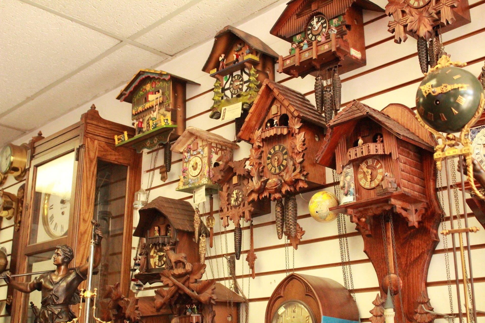 Antique Clock Gallery image 7