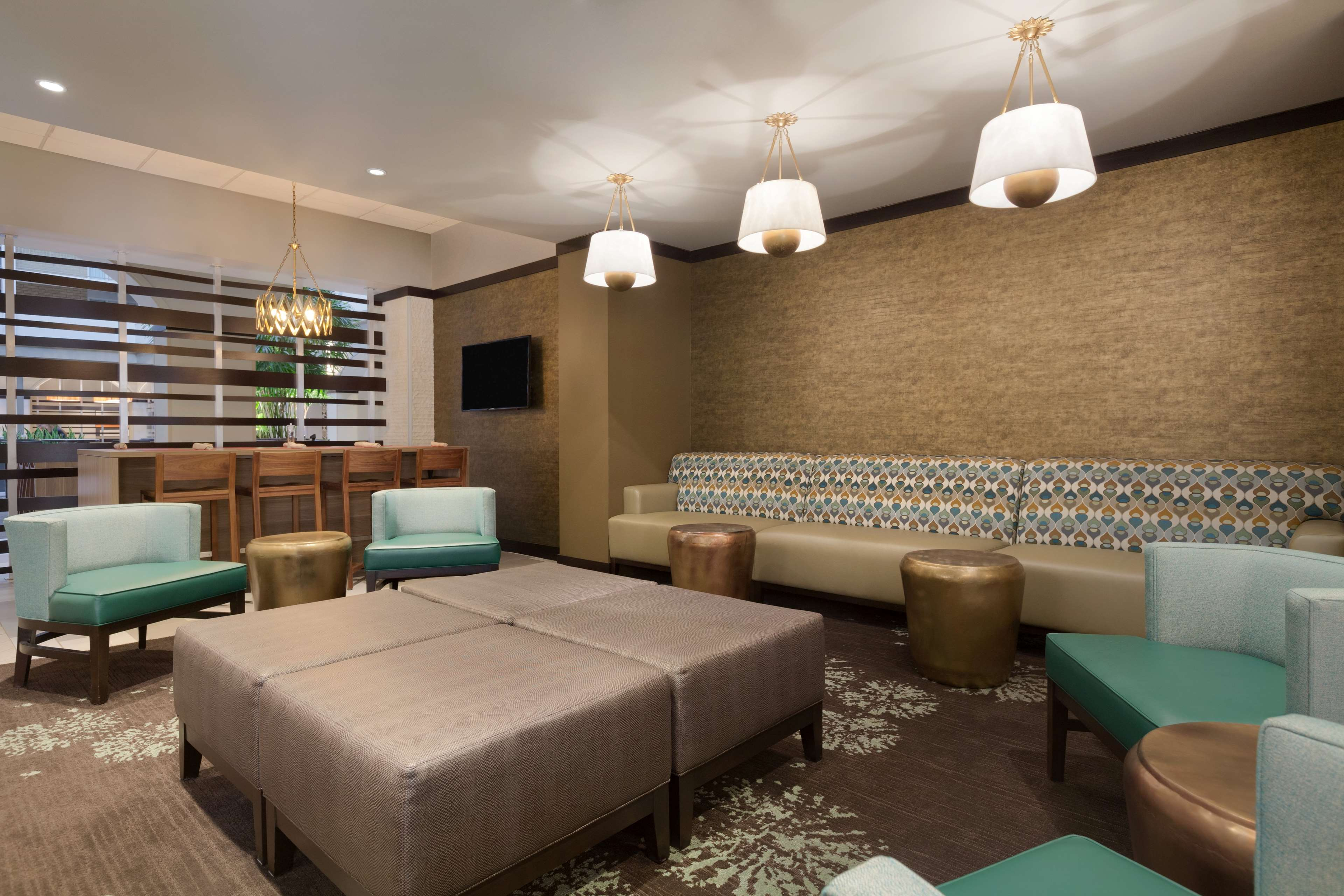Embassy Suites by Hilton Jacksonville Baymeadows image 3