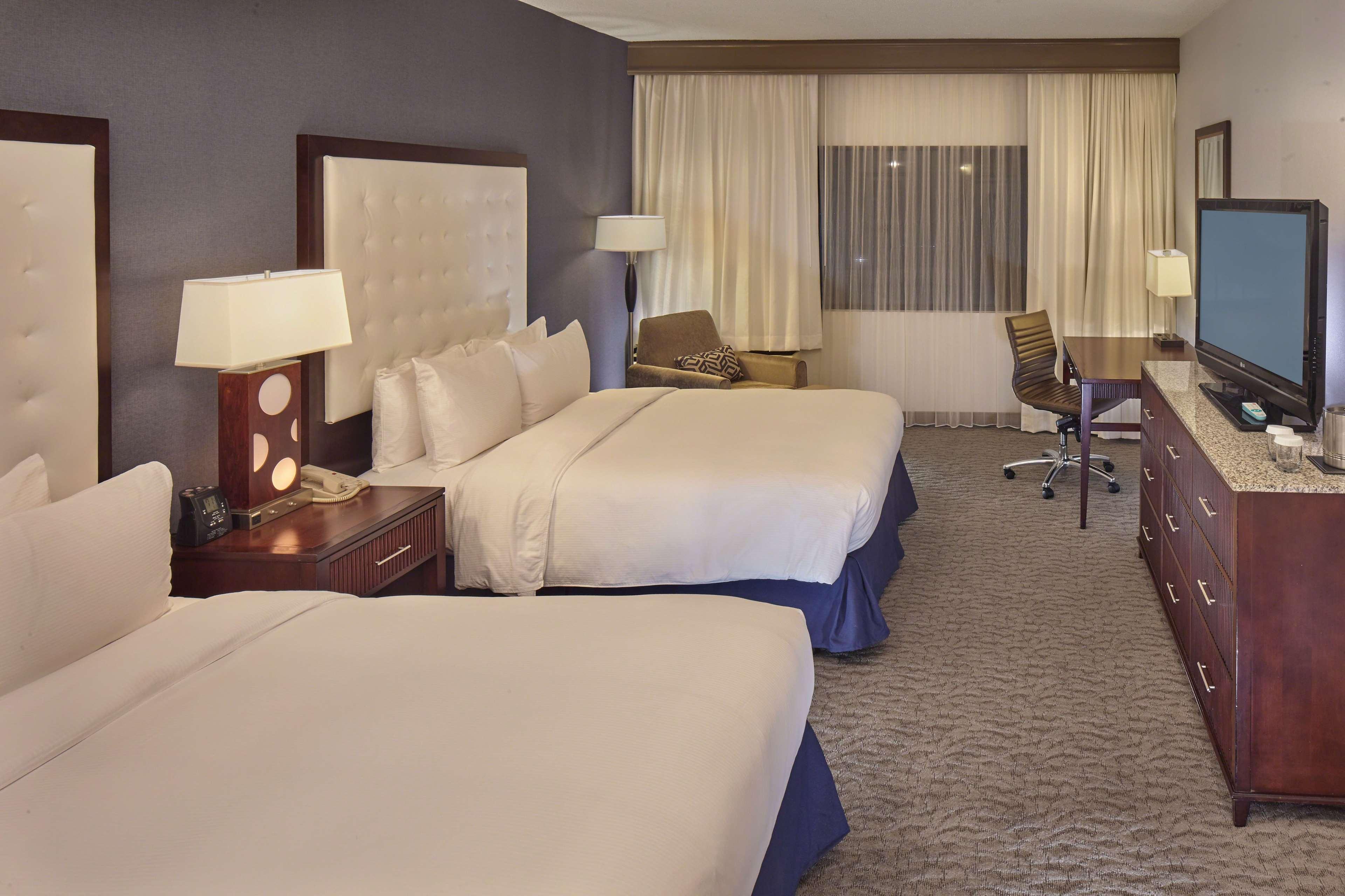 DoubleTree by Hilton Hotel Little Rock image 22