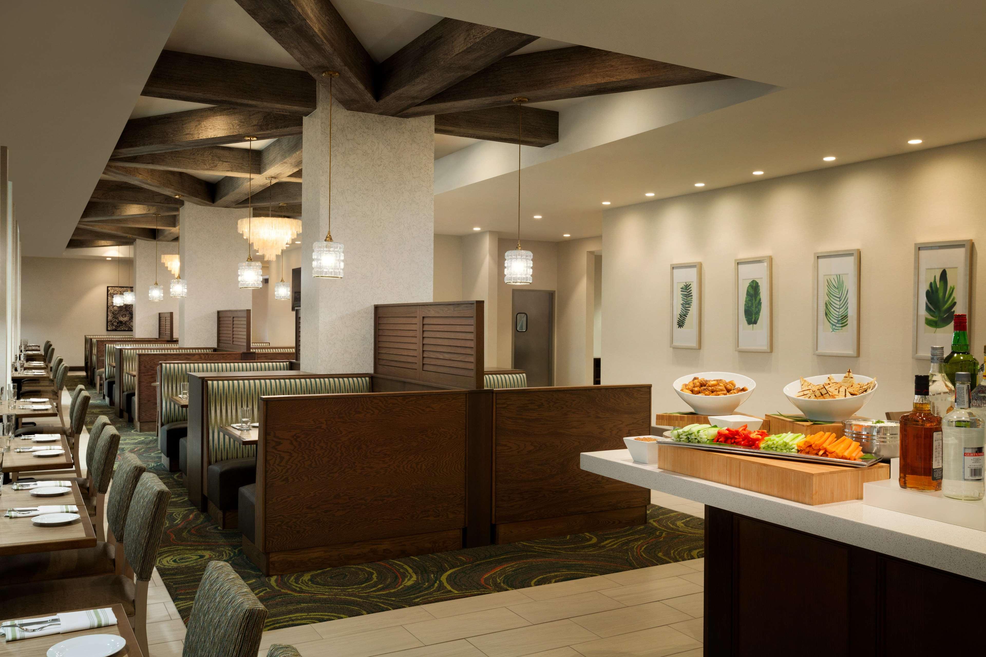 Embassy Suites by Hilton Oahu Kapolei image 13