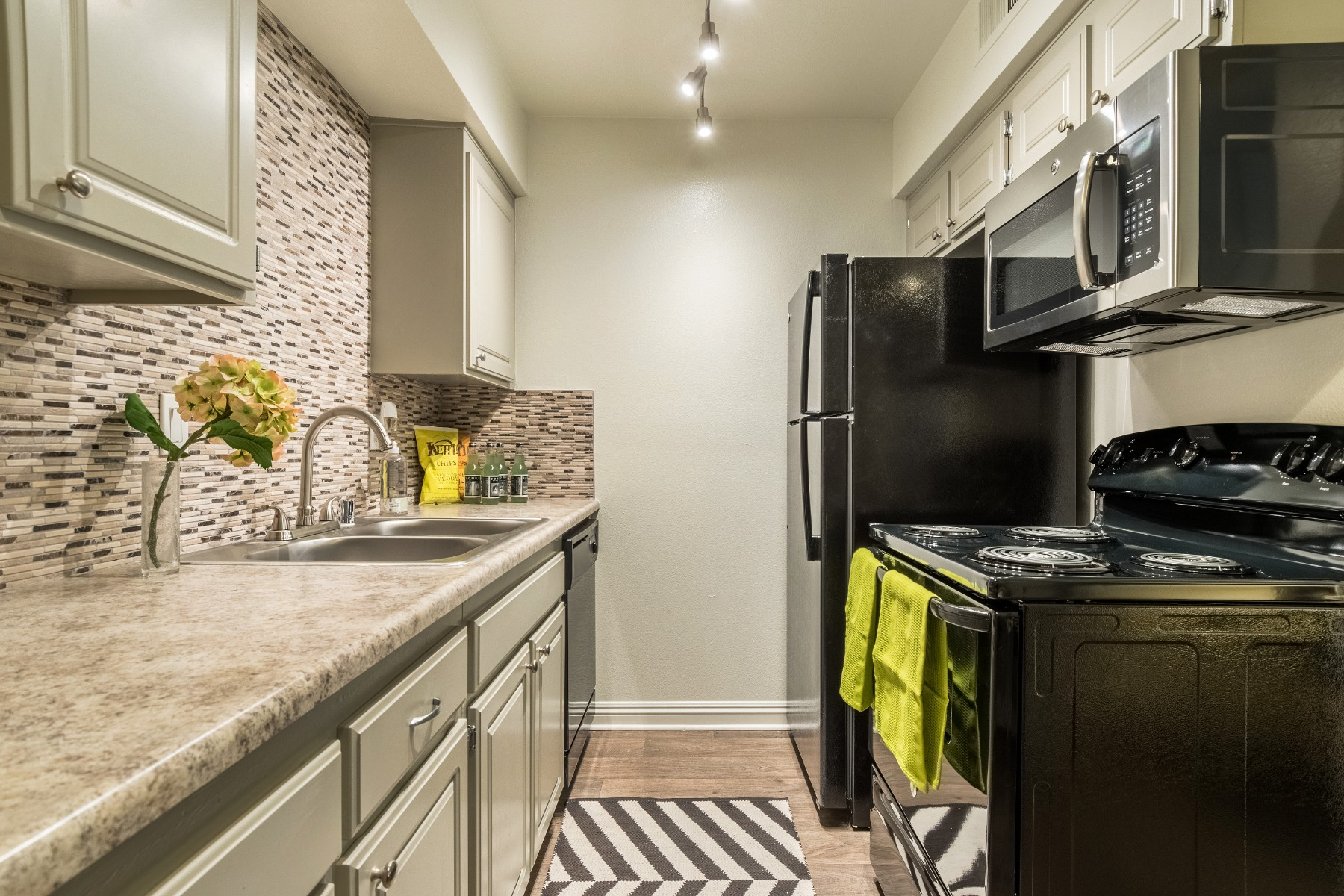 Berkdale Apartments image 3