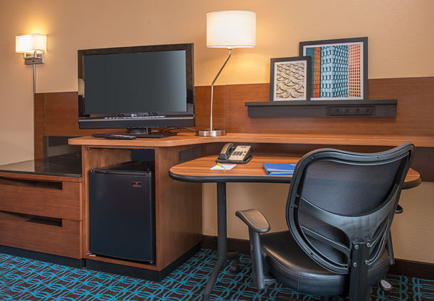 Fairfield Inn & Suites by Marriott Frederick image 2