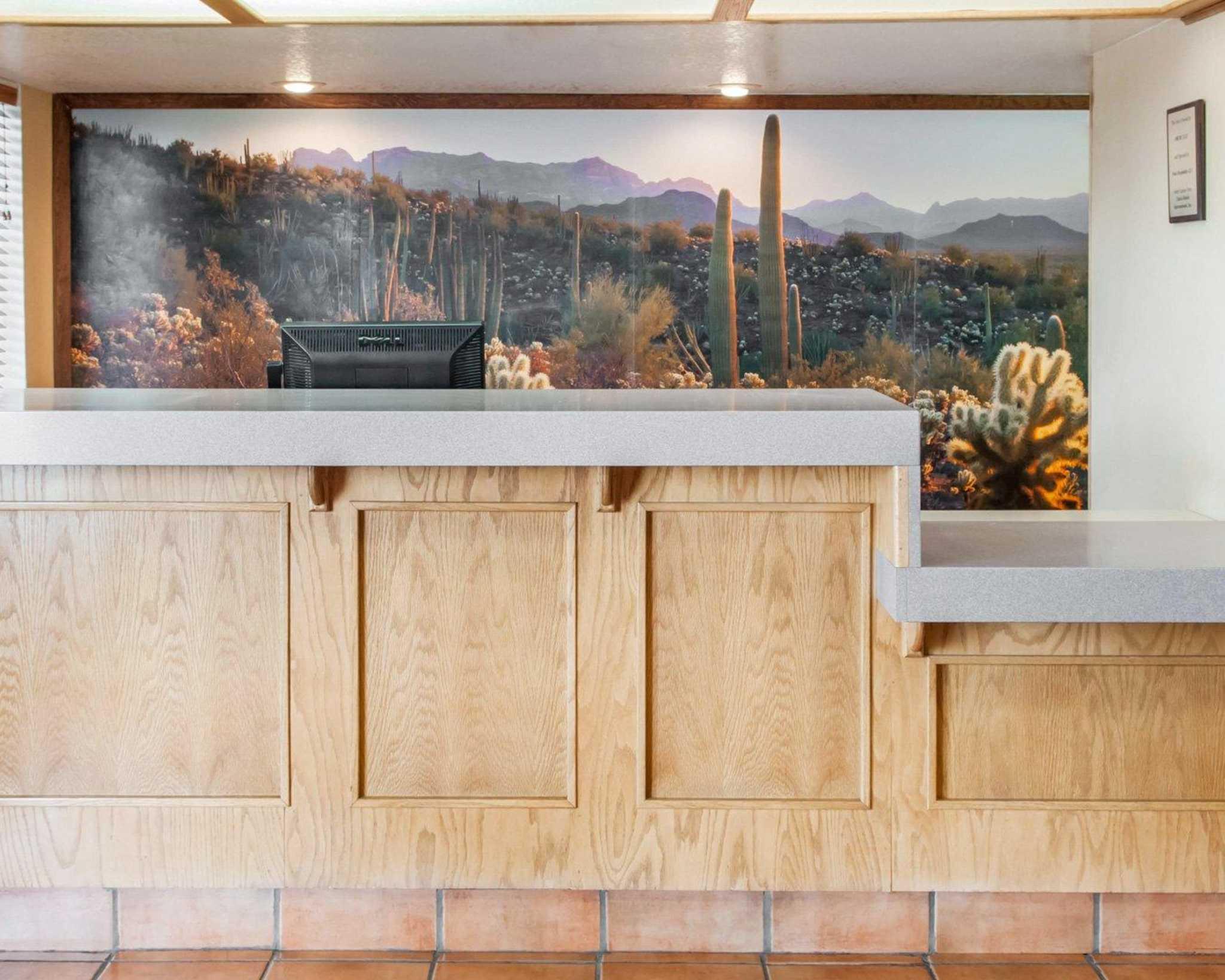 Econo Lodge Lordsburg I-10 image 11