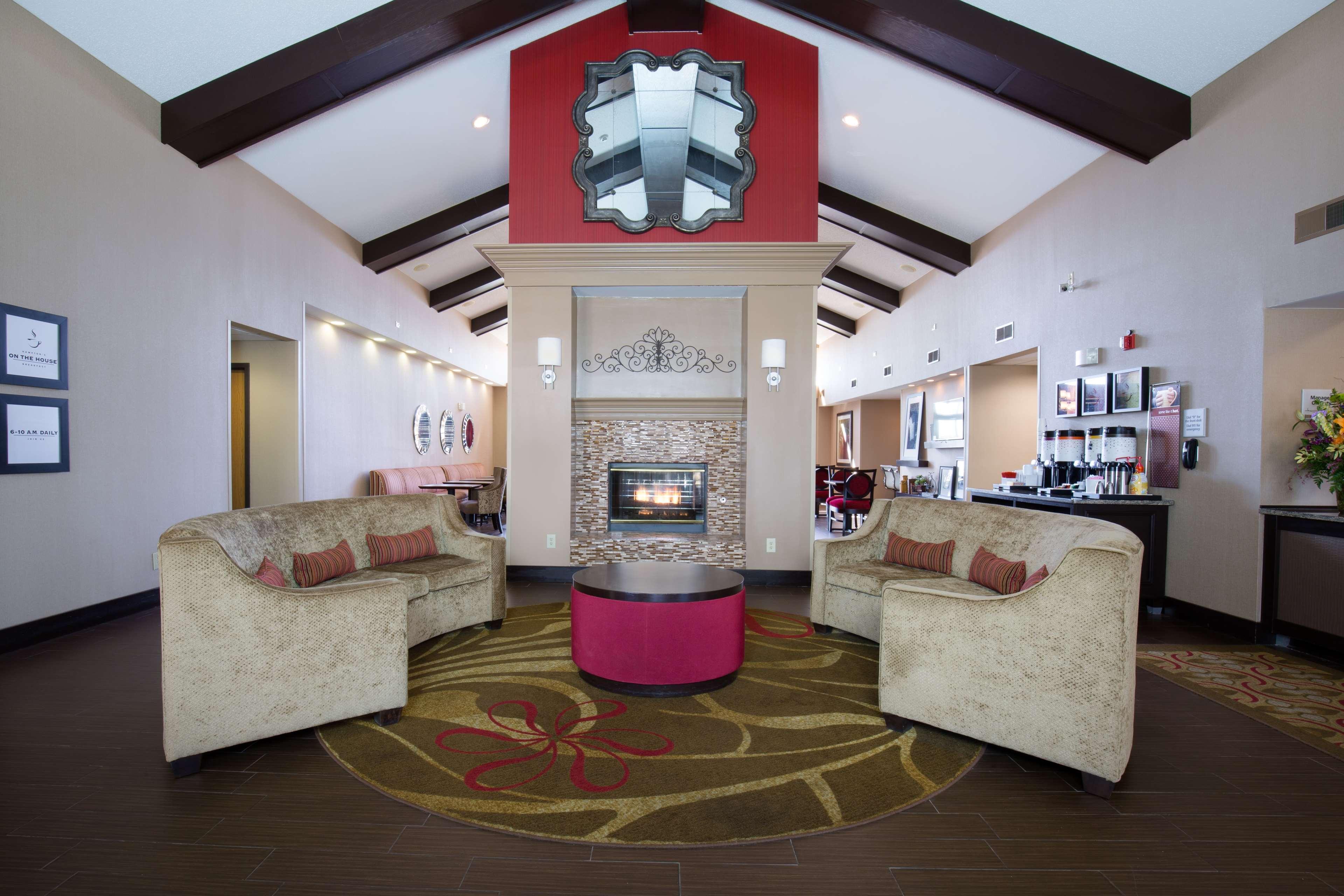 Hampton Inn & Suites Ft. Wayne-North image 2